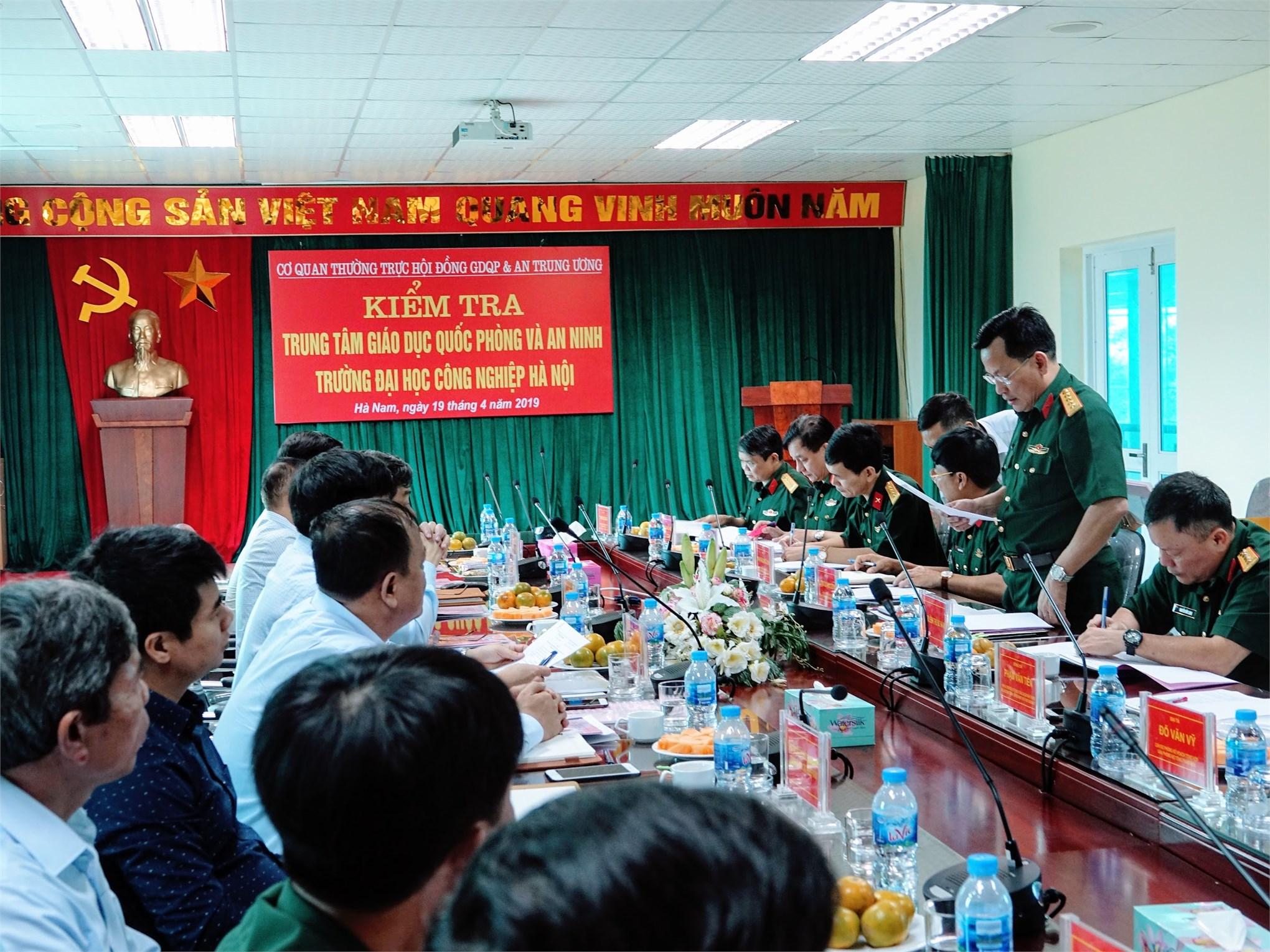 Trung tâm Giáo dục quốc phòng và an ninh Trường Đại học Công nghiệp Hà Nội hoàn thành xuất sắc nhiệm vụ trong thực hiện nhiệm vụ giáo dục quốc phòng, an ninh cho học sinh, sinh viên