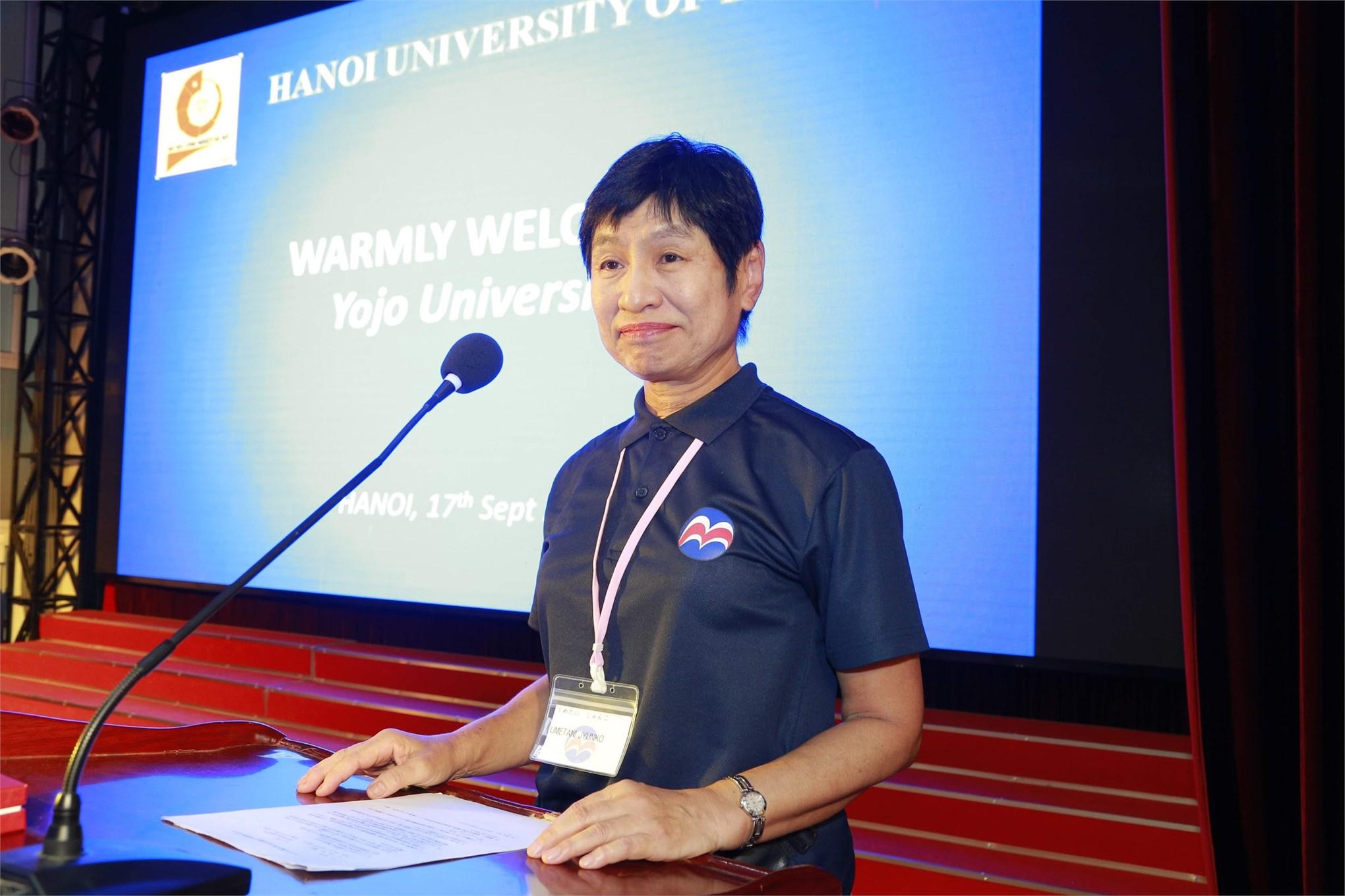 Bà Junko Umetani - Hiệu trưởng Trường Đại học Yojo, thuộc Trường Đào tạo Thanh thiếu niên tỉnh Hyogo (Nhật Bản) phát biểu