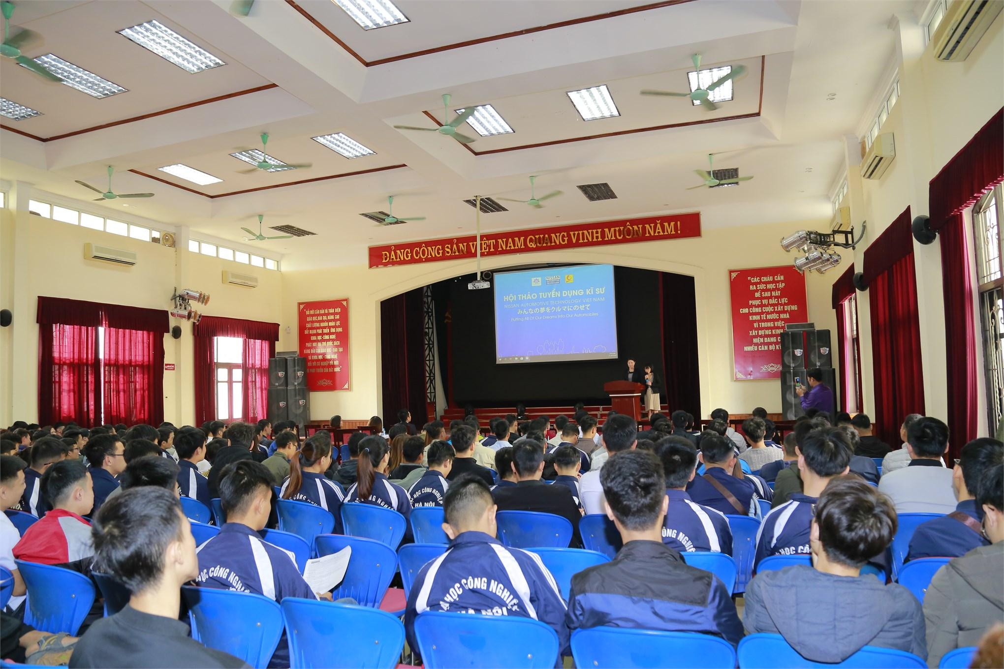 Nhiều cơ hội thực tập tốt nghiệp và việc làm cho sinh viên Đại học K10 và Cao đẳng K18