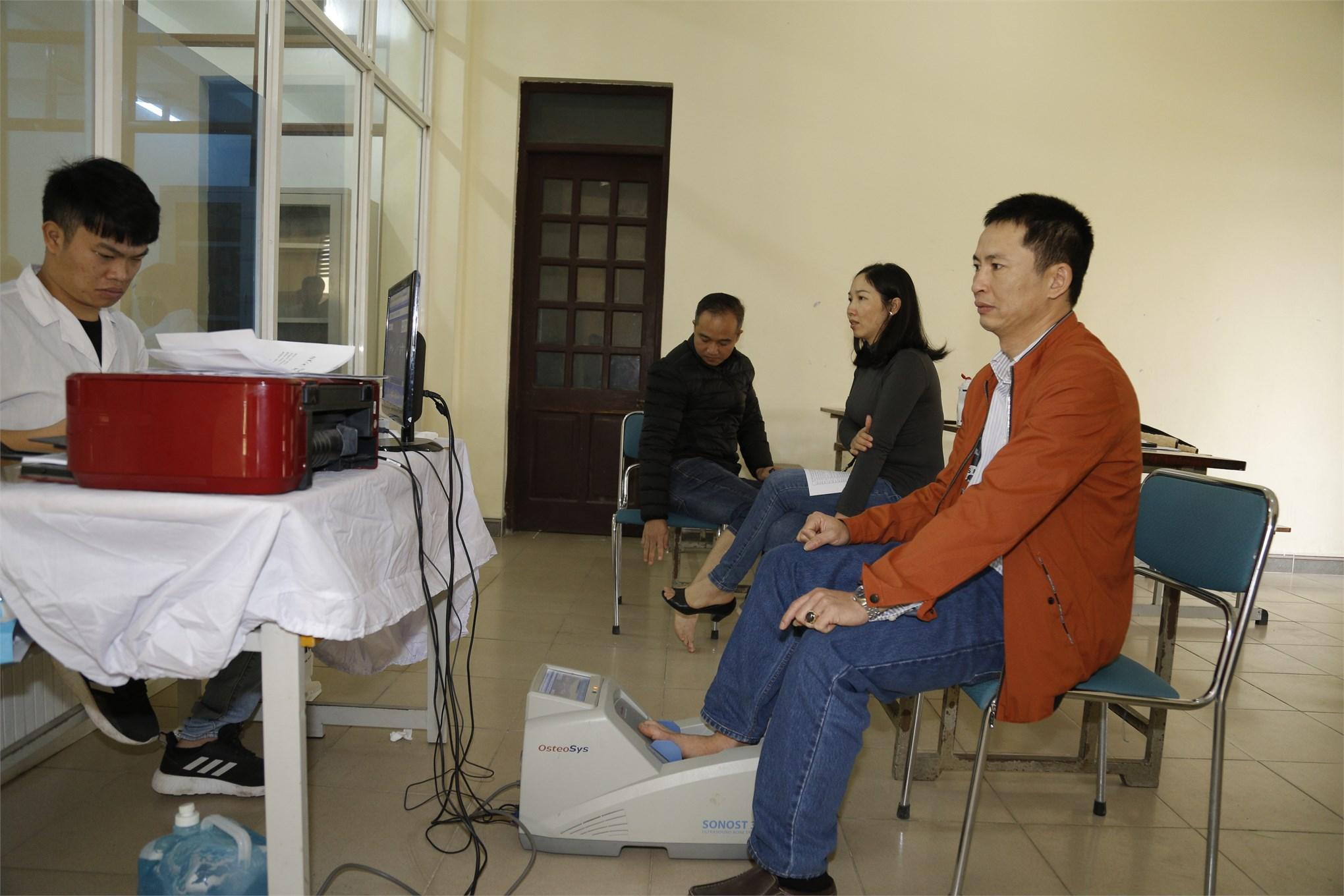 Đại học Công nghiệp Hà Nội tổ chức khám sức khỏe định kỳ cho Cán bộ viên chức
