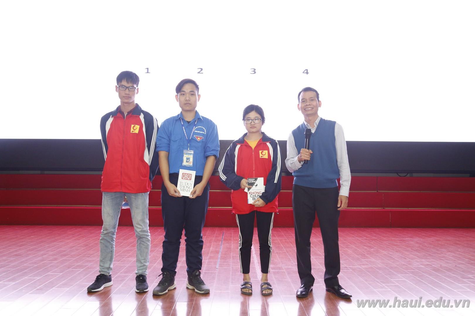 Chương trình định hướng nghề nghiệp cho tân sinh viên Đại học Công nghiệp Hà Nội