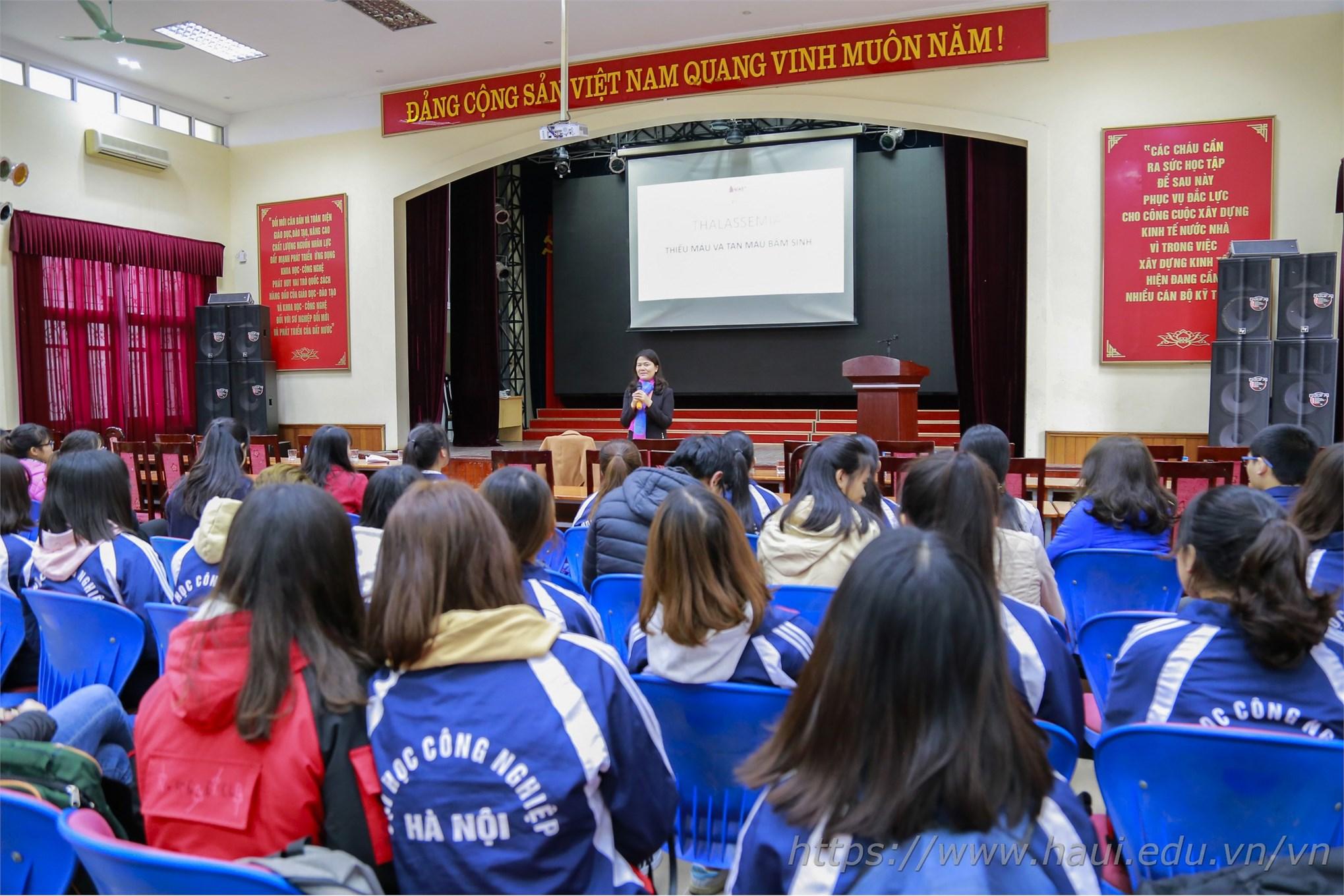 Chuỗi hoạt động chào mừng 69 năm Ngày truyền thống Học sinh Sinh viên và Hội Sinh viên Việt Nam