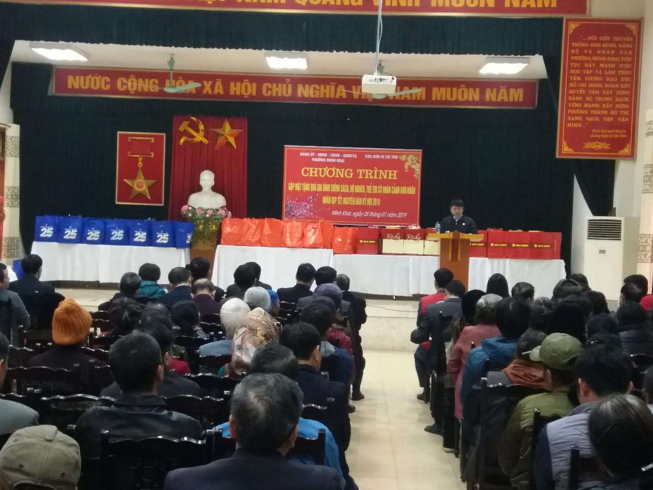 Chăm lo Tết cho người nghèo - Một nghĩa cử cao đẹp của Công đoàn trường