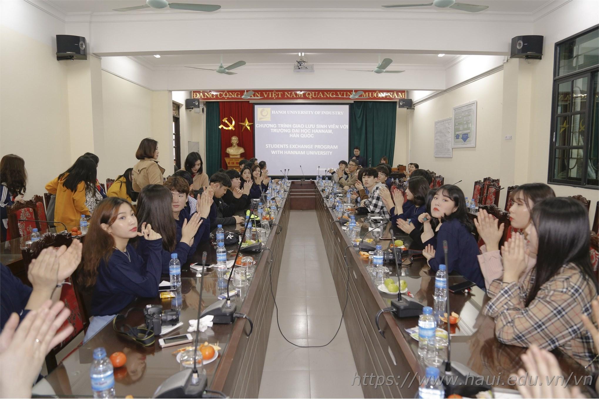 Hannam University, Korea paid a working visit to Hanoi University of Industry