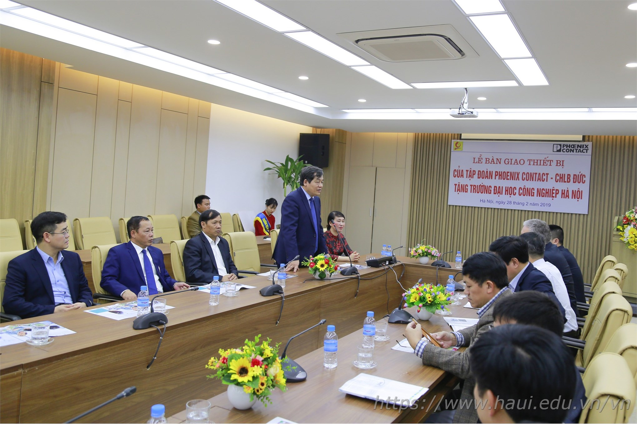 Lễ bàn giao thiết bị của Tập đoàn Phoenix Contact - CHLB Đức cho Trường Đại học Công nghiệp Hà Nội