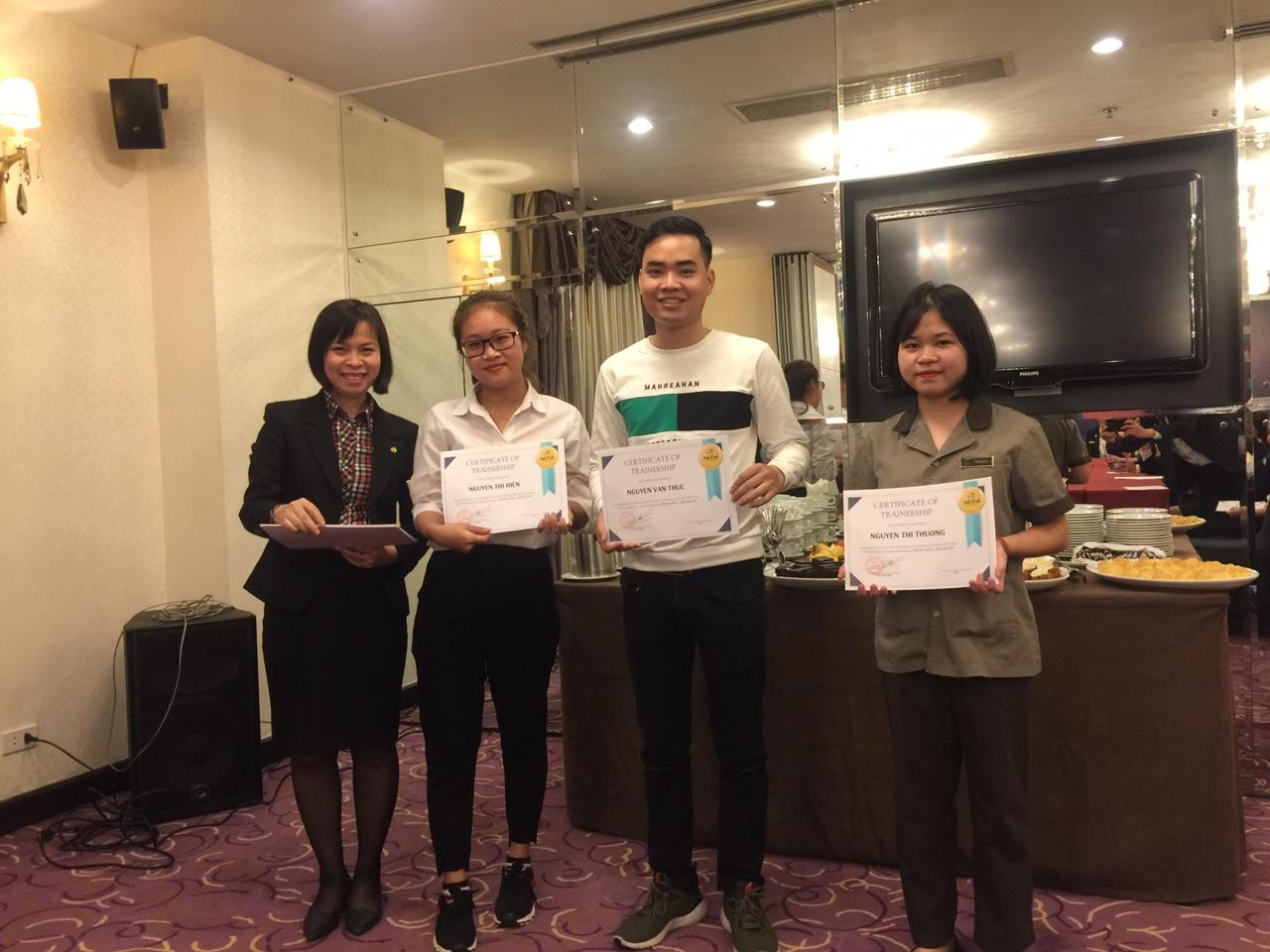 Sinh viên ĐH Khoa 10 kết thúc đợt thực tập tại Khách sạn Silkpath Hà Nội