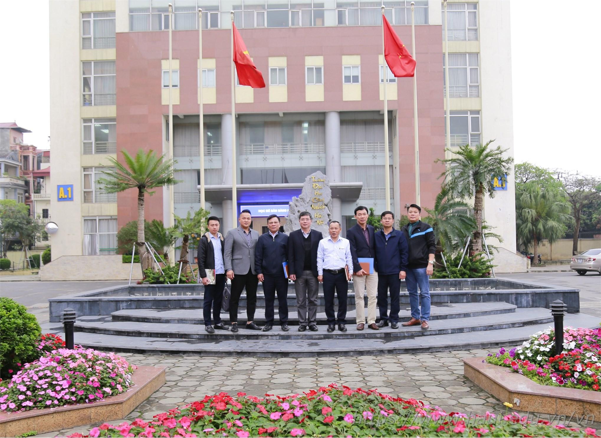 Đoàn cán bộ Học viện Chính sách và Phát triển thăm và làm việc tại Đại học Công nghiệp Hà Nội