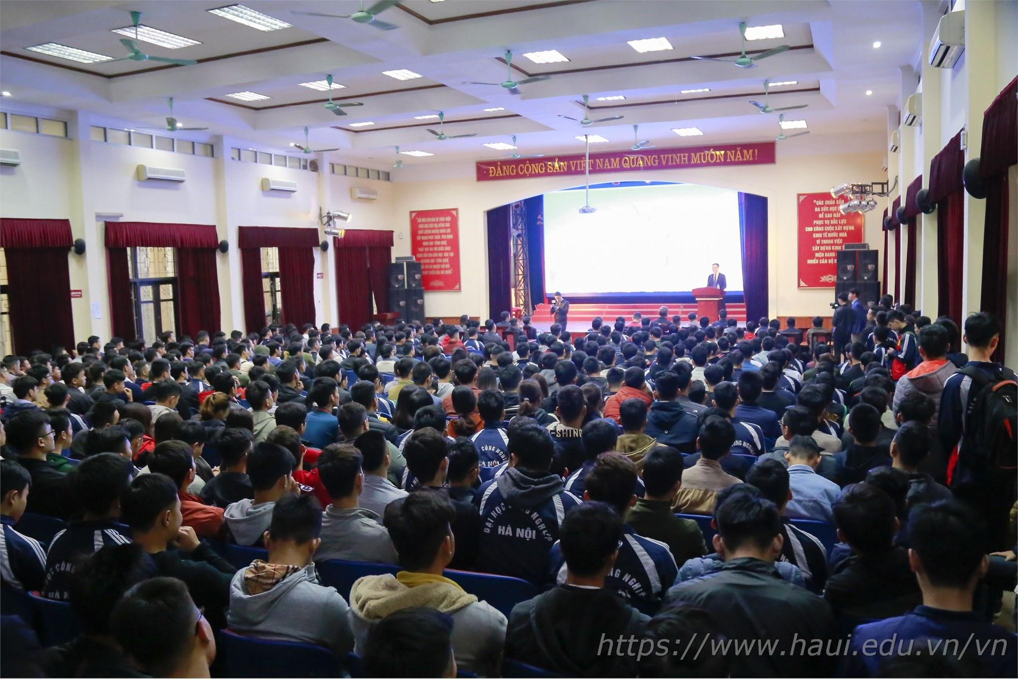 Hội thảo tuyển dụng và đào tạo thực tập sinh kỹ thuật cho sinh viên HaUI tại công ty VinFast