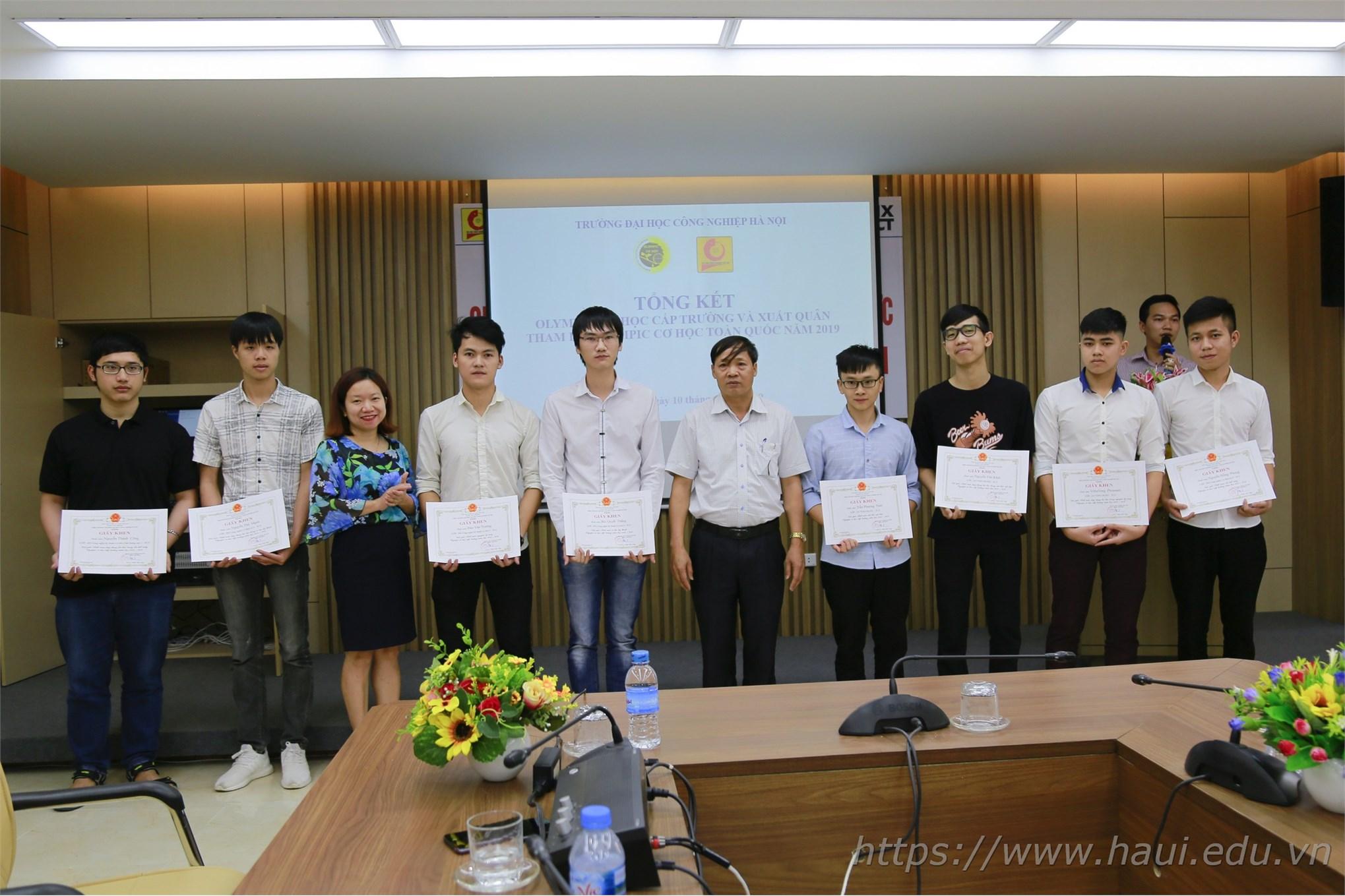 Tổng kết thi Olympic Cơ học cấp trường và xuất quân tham dự Olympic Cơ học toàn quốc năm 2019