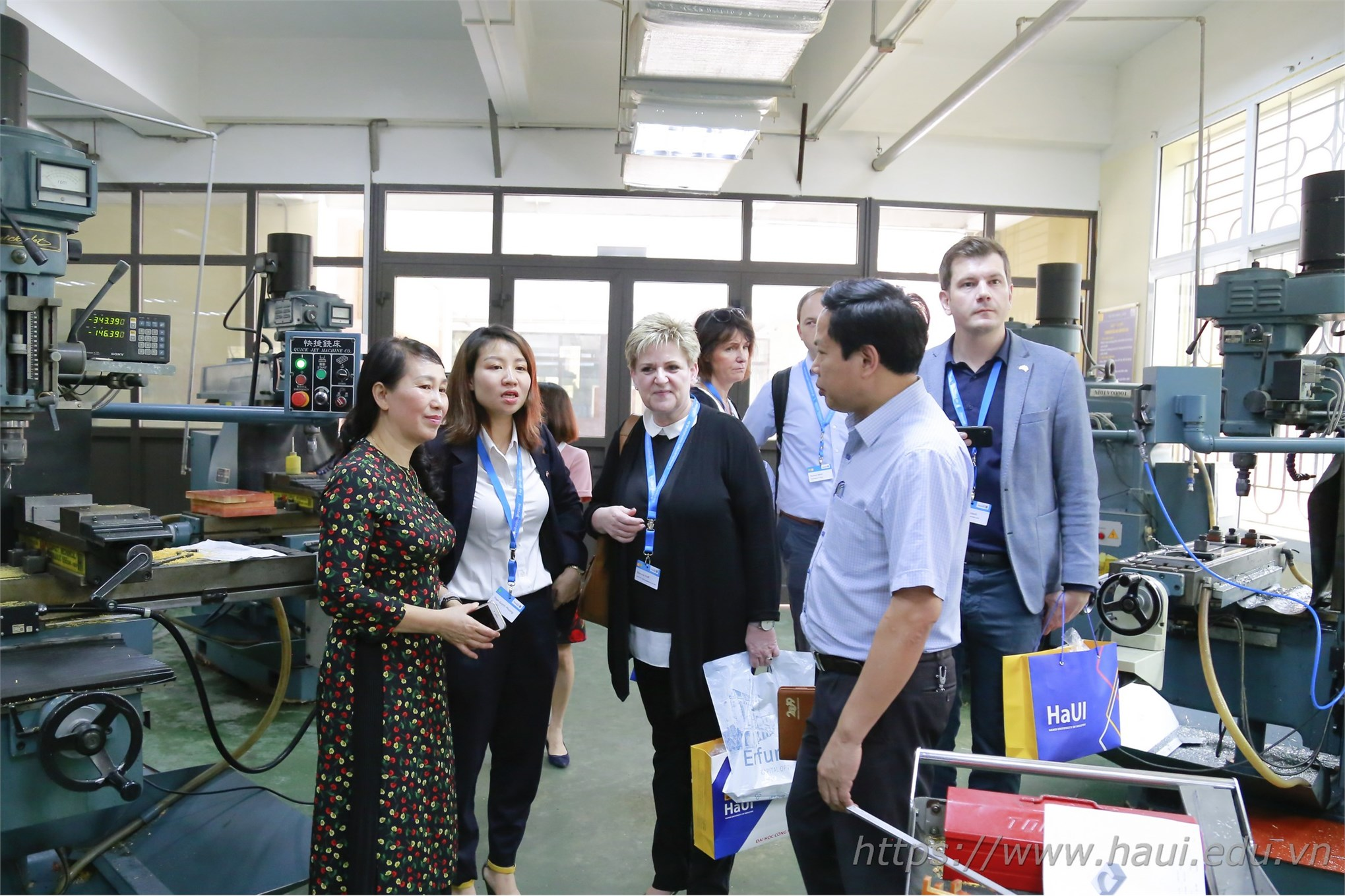 Business delegation of Thuringen, Germany paid a working visit to Hanoi University of Industry