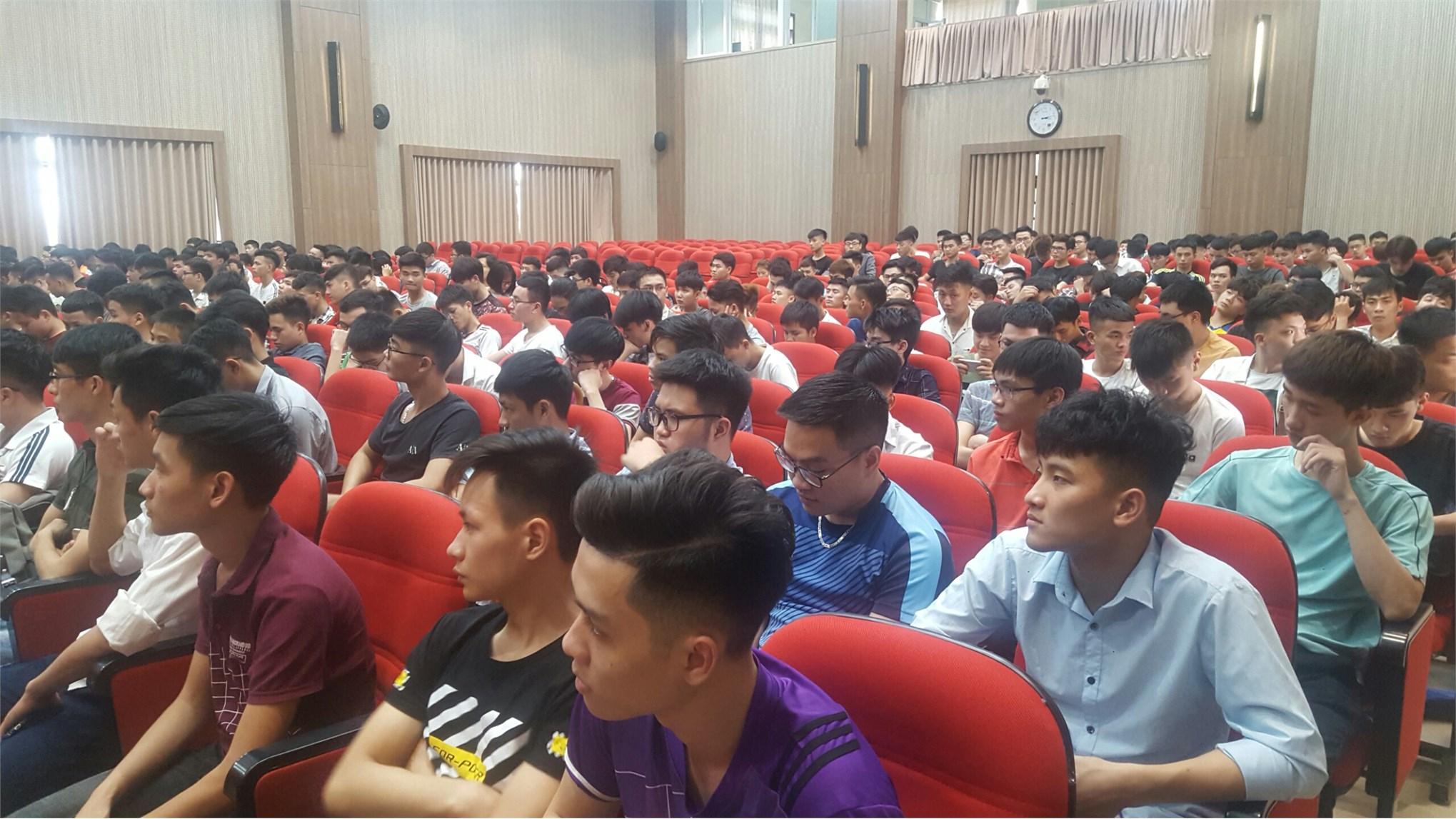 Cố vấn học tập cho sinh viên hệ Đại học K11, K12 học kỳ phụ hè 2019