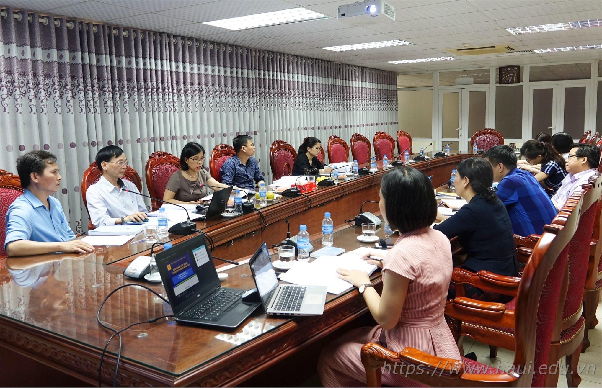 Thẩm định chương trình đào tạo thạc sĩ, mở ngành Ngôn ngữ Anh