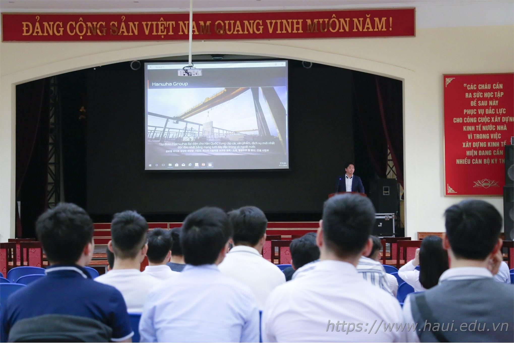 Cơ hội việc làm cho sinh viên tại công ty Canon Việt Nam và Hanwha Aero Engines