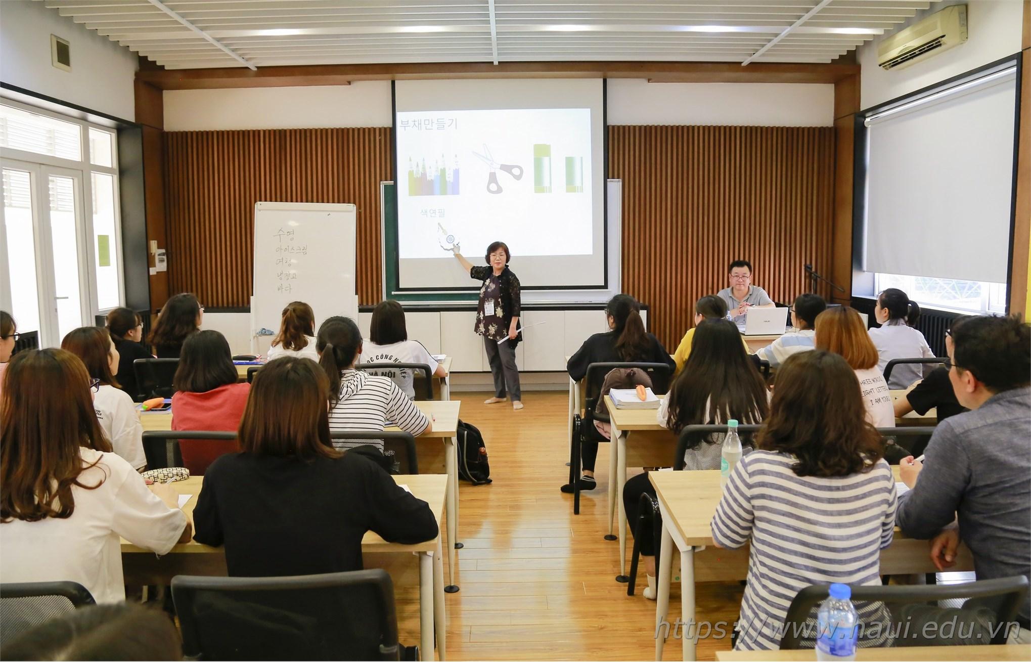 Giao lưu ngôn ngữ tiếng Hàn với giảng viên và sinh viên trường Đại học quốc gia Seoul - Hàn Quốc