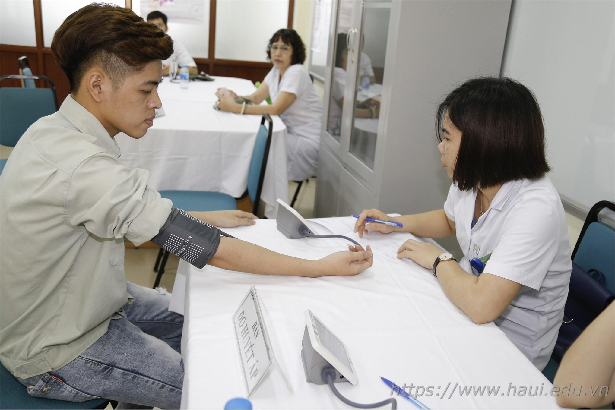 Chương trình khám sức khỏe cho sinh viên ra trường năm 2019