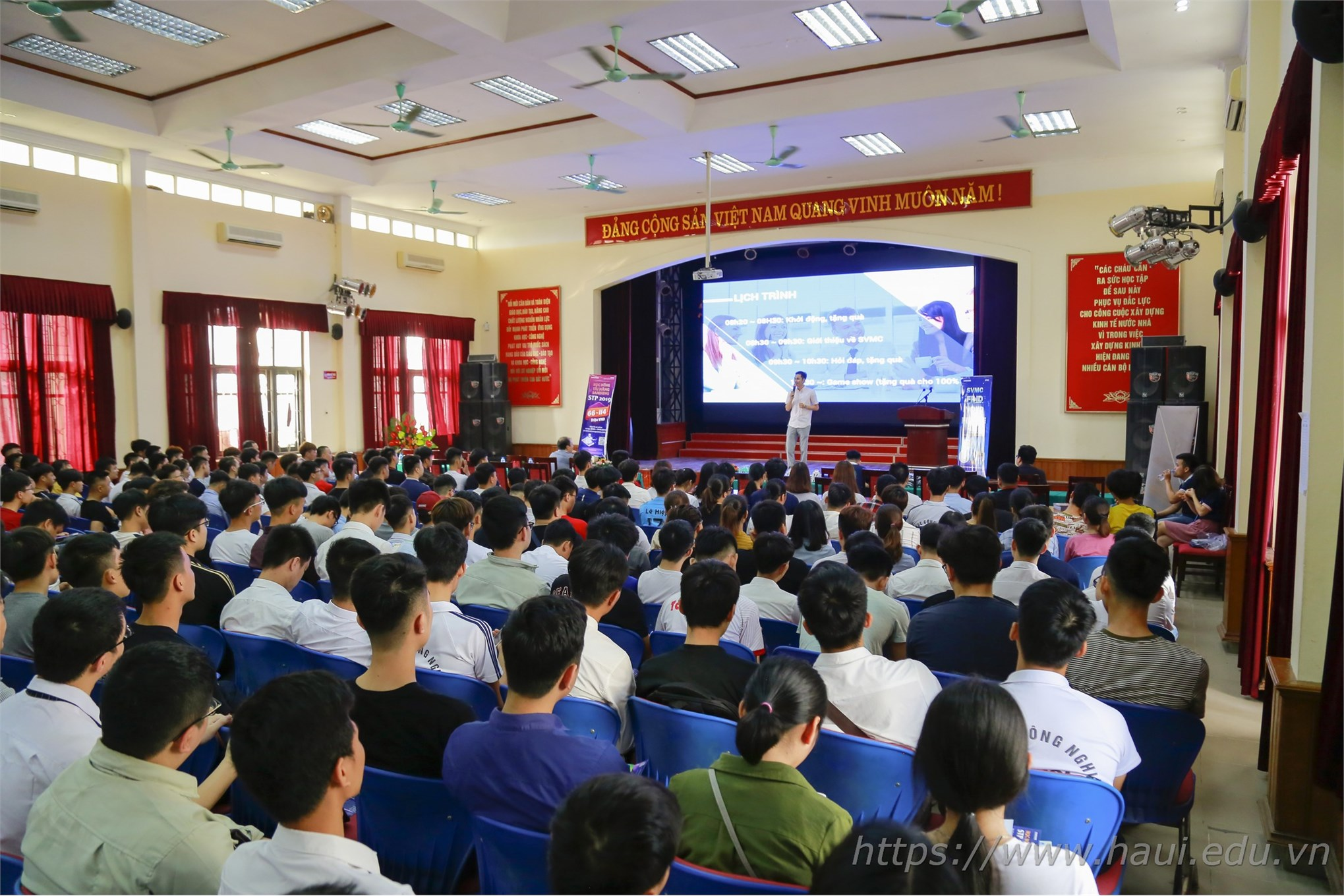 """Hội thảo """"Xu hướng phát triển công nghệ Điện tử"""""""