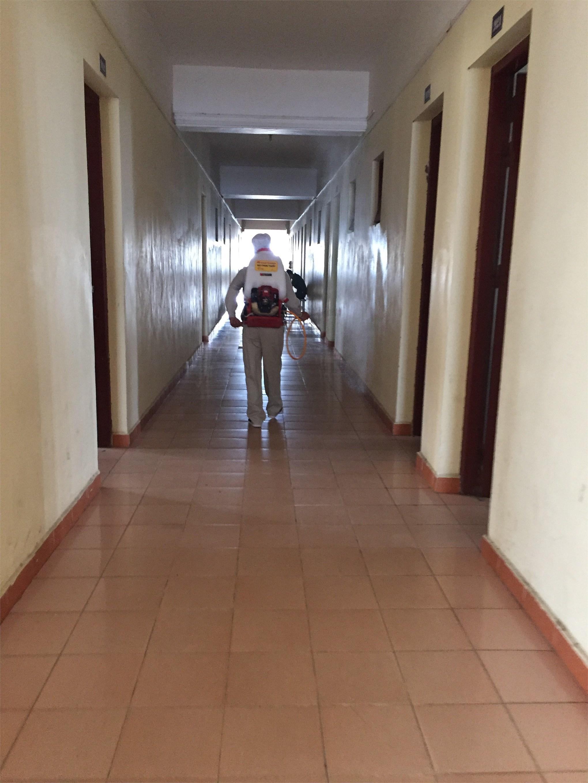 Phun thuốc phòng chống dịch bệnh tại khu nội trú - Đợt 1 năm 2019