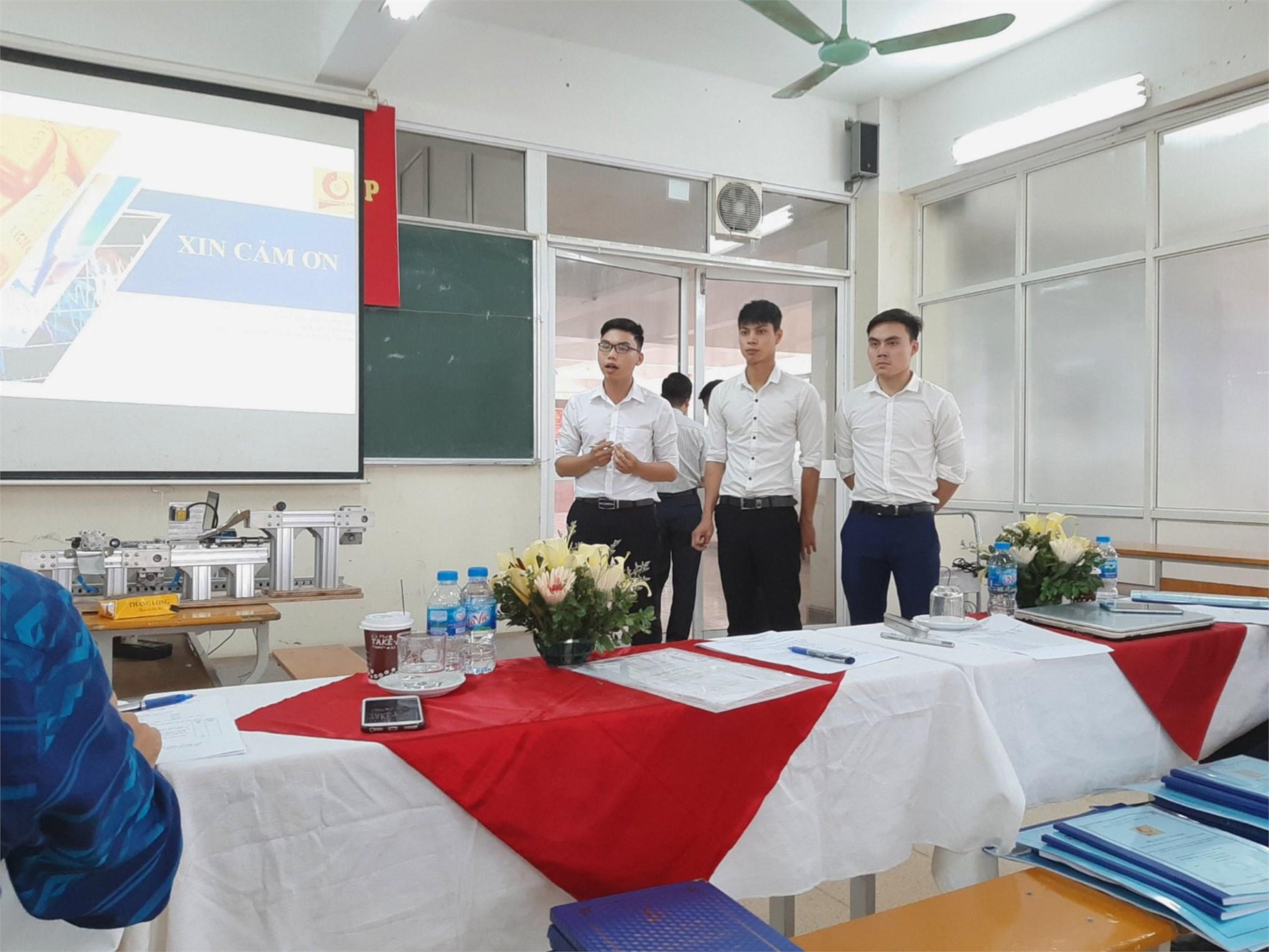 Cảm xúc của sinh viên Cơ khí trong ngày bảo vệ đồ án tốt nghiệp 2019