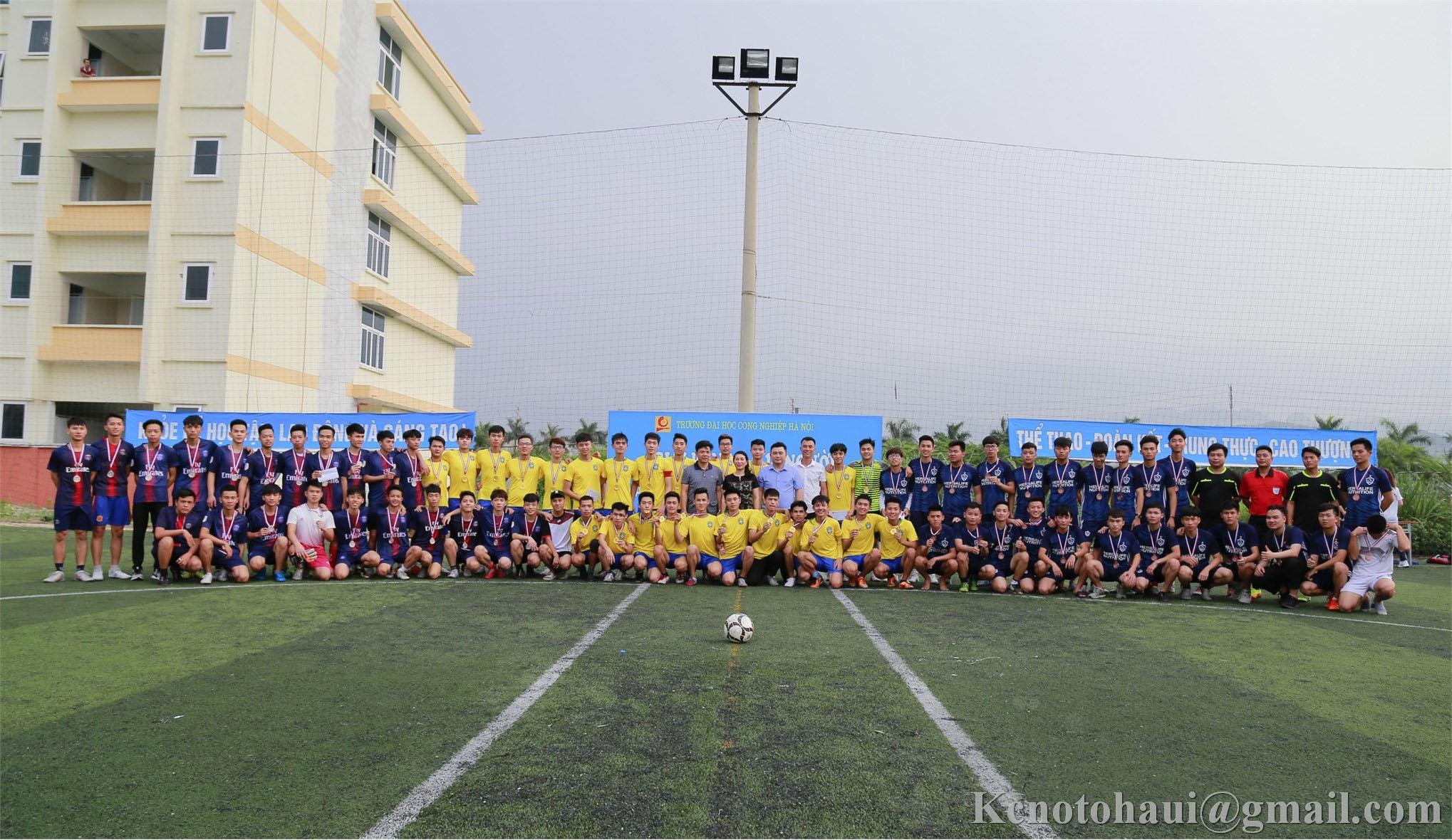 Đội tuyển bóng đá Khoa Công nghệ ô tô đăng quang tại giải bóng đá Nam học sinh sinh viên trường Đại học công nghiệp Hà Nội năm 2019