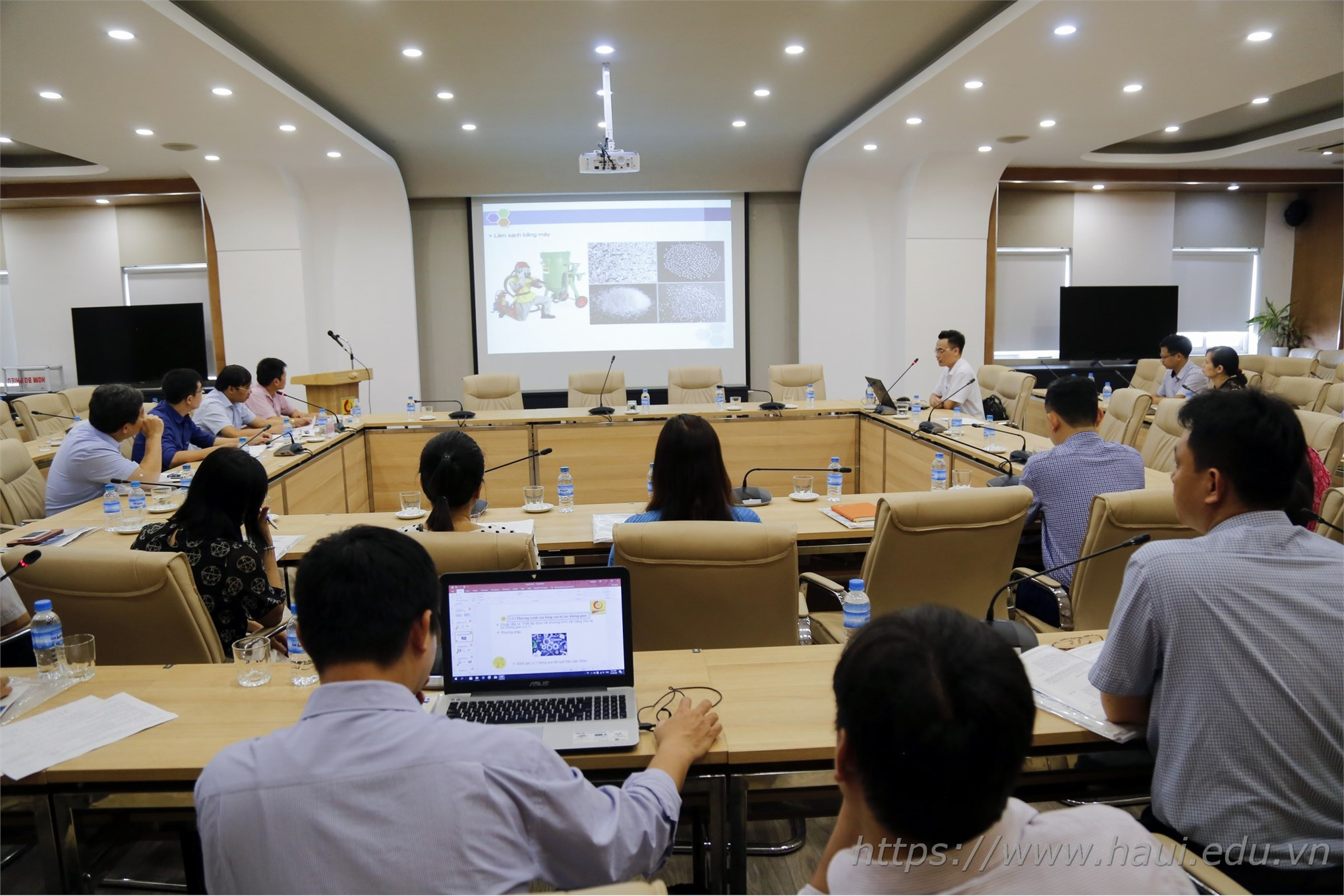 Đại học Công nghiệp Hà Nội tổ chức Hội nghị Khoa học chào mừng Ngày khoa học và công nghệ Việt Nam 18/5