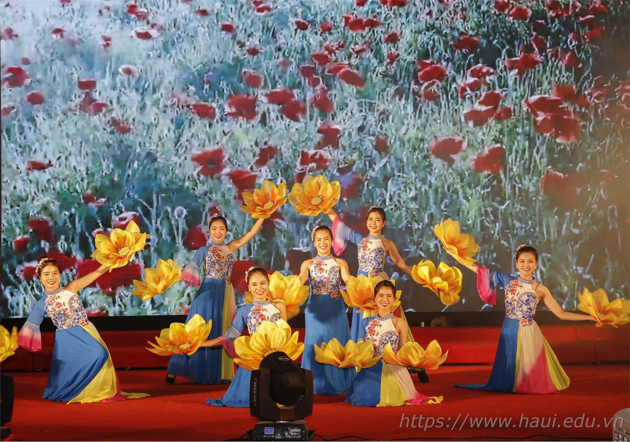 Đại học Công nghiệp Hà Nội đạt 2 giải vàng, 01 giải bạc và chứng nhận xuất sắc toàn đoàn tại Liên hoan Nghệ thuật Quần chúng tỉnh Hà Nam năm 2019