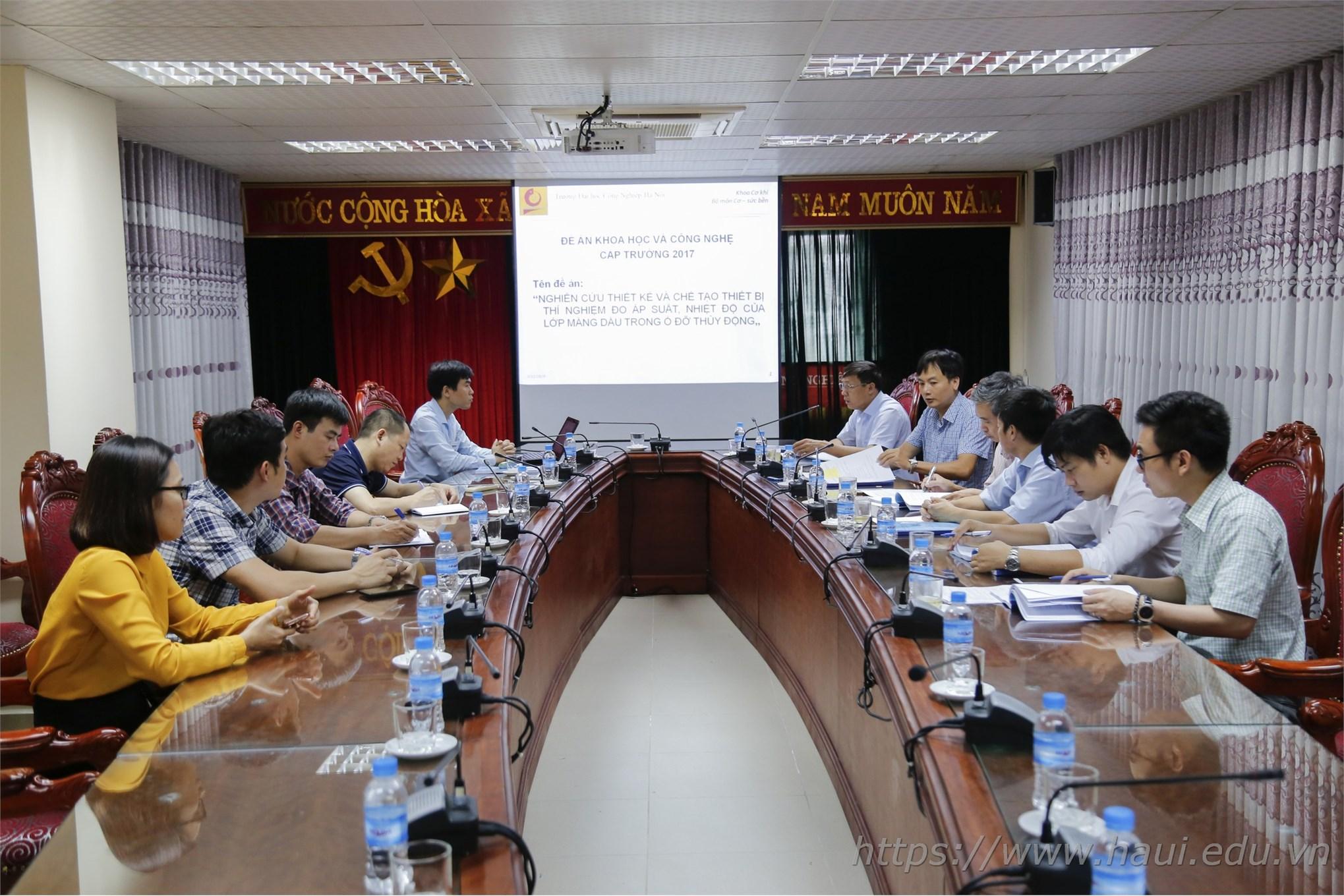 Toàn cảnh Hội đồng nghiệm thu đề án NCKH cấp trường do TS. Nguyễn Văn Thắng làm chủ nhiệm
