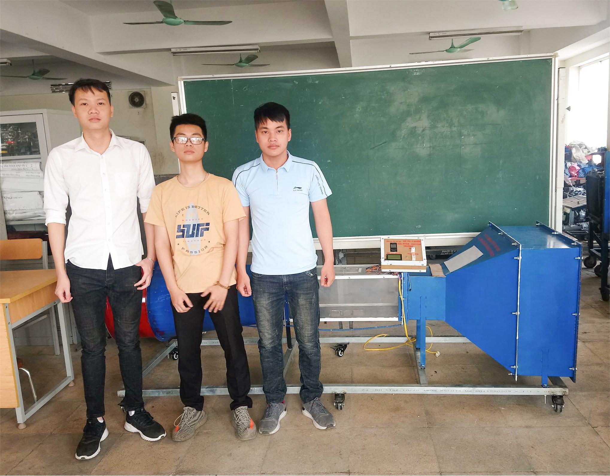 Sinh viên khoa Công nghệ Ô tô nghiên cứu chế tạo thiết bị đo xác định hệ số cản không khí trong thiết kế khung vỏ ô tô