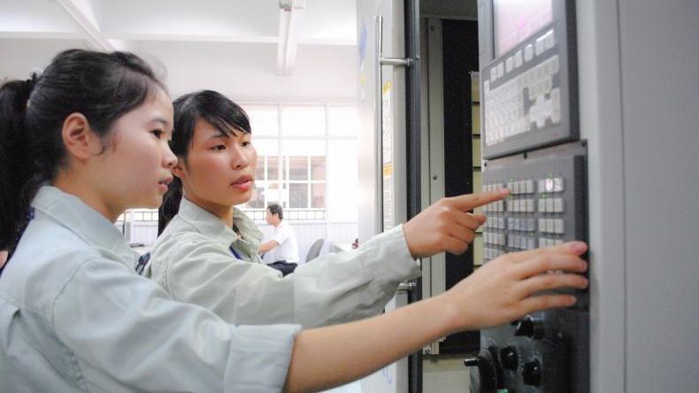 Sinh viên kỹ thuật trường Đại học Công nghiệp Hà Nội