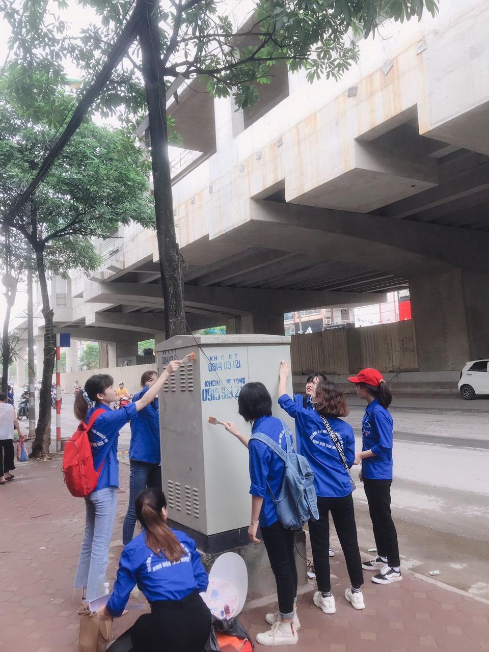 Bốt điện nở hoa dưới bàn tay sinh viên Đại học Công nghiệp Hà Nội
