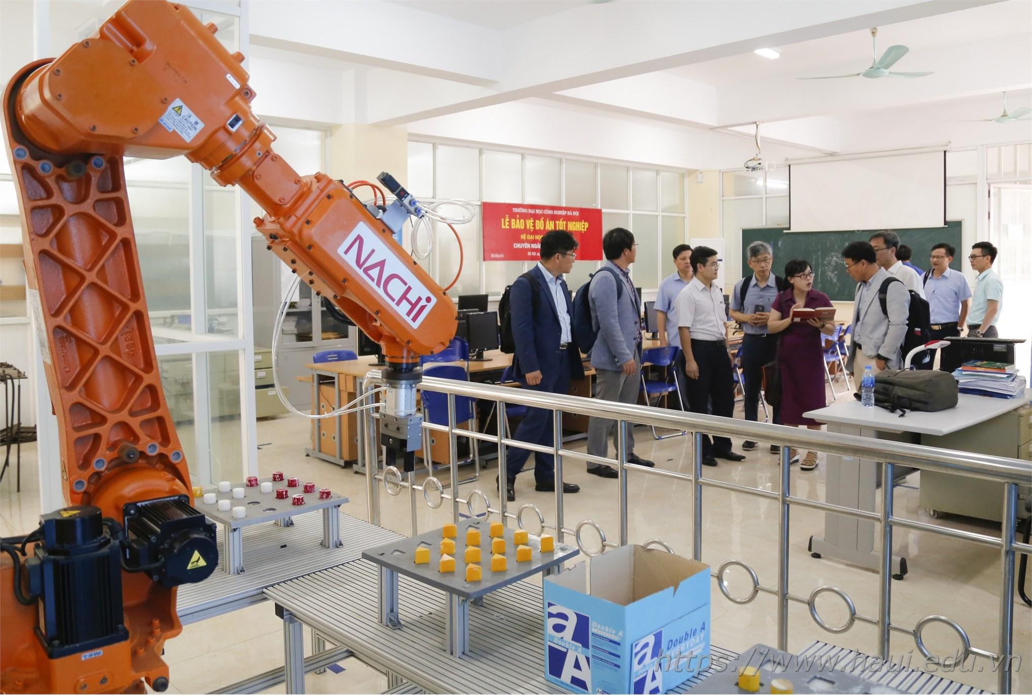 Trường Đại học Công nghiệp Hà Nội làm việc với Cục Công nghiệp - Bộ Công Thương, Viện KIAT - Hàn Quốc về Dự án thành lập Trung tâm VITASK