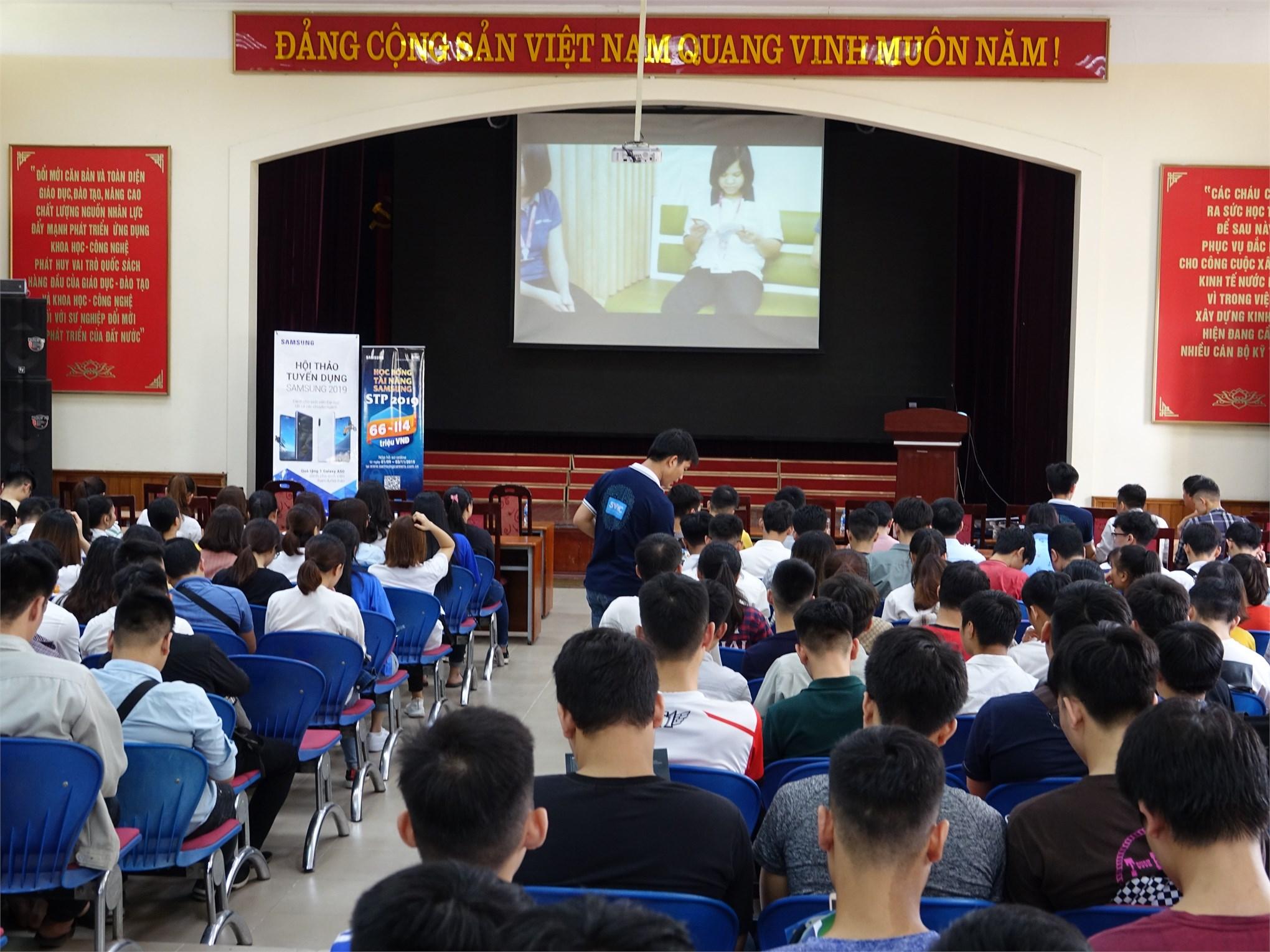 Nhiều cơ hội thực tập tốt nghiệp và việc làm cho sinh viên Đại học K11 và Cao đẳng K1
