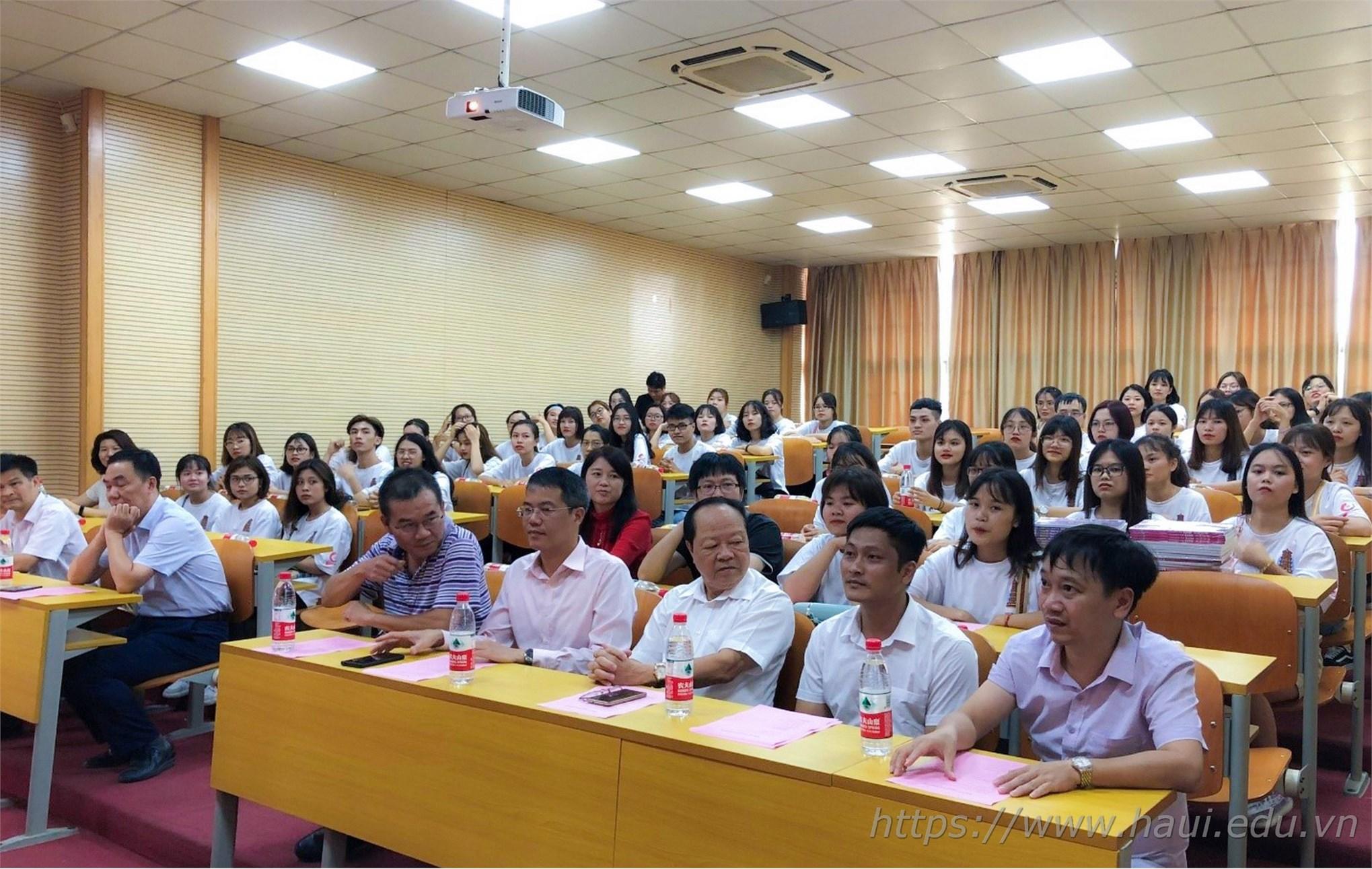 Chương trình trao đổi sinh viên giữa Đại học Công nghiệp Hà Nội và Đại học Khoa học Kỹ thuật Quảng Tây, Trung Quốc