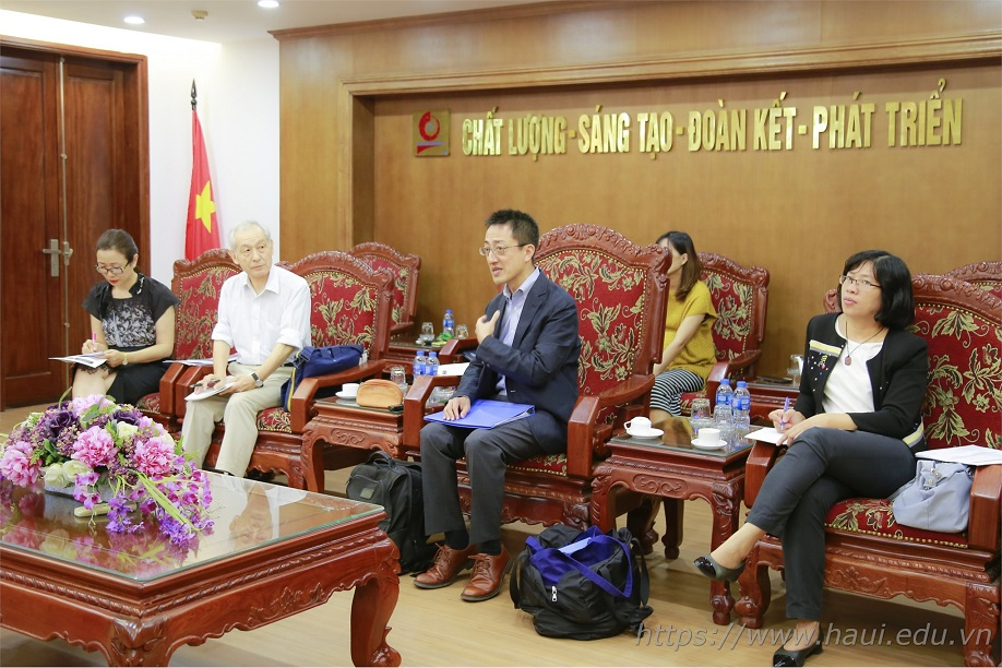 JICA experts paid a working visit to Hanoi University of Industry