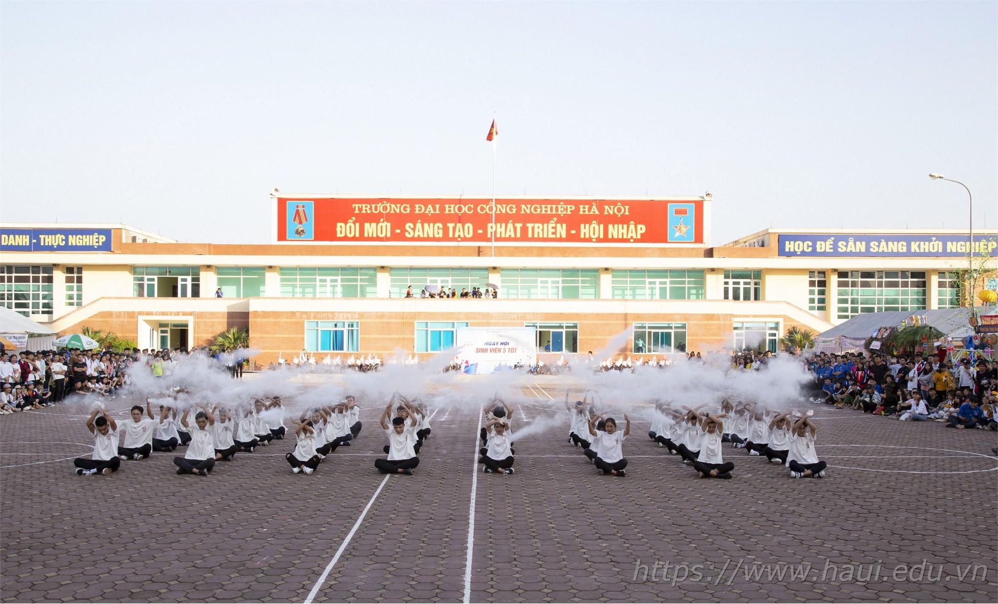 Sôi nổi chuỗi hoạt động chào mừng Đại hội đại biểu Đoàn TNCS Hồ Chí Minh trường Đại học Công nghiệp Hà Nội lần thứ IX