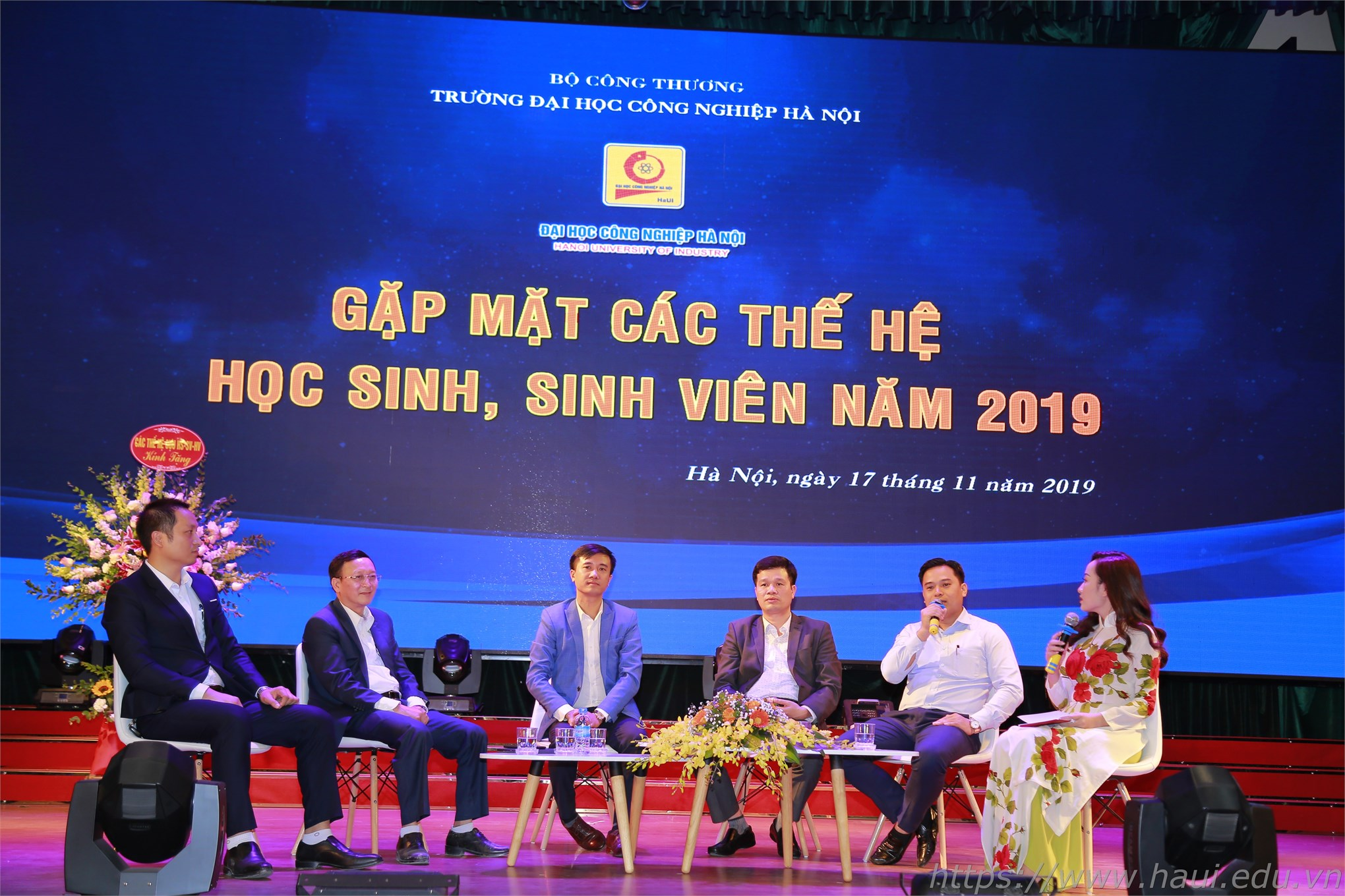 Gặp mặt các thế hệ học sinh, sinh viên Đại học Công nghiệp Hà Nội 2019