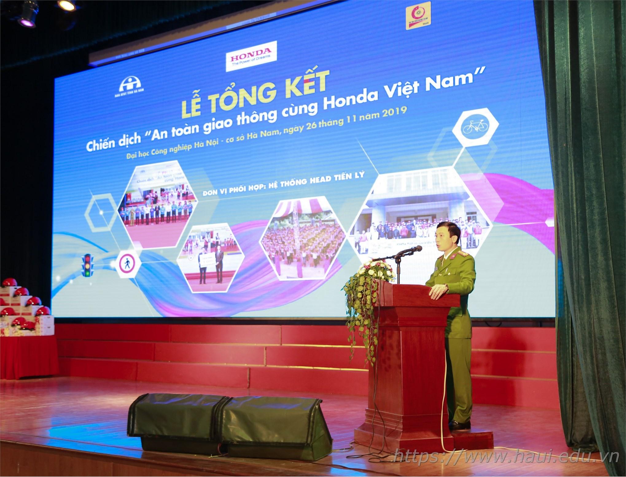 Sinh viên Đại học Công nghiệp Hà Nội hưởng ứng chiến dịch An toàn Giao thông