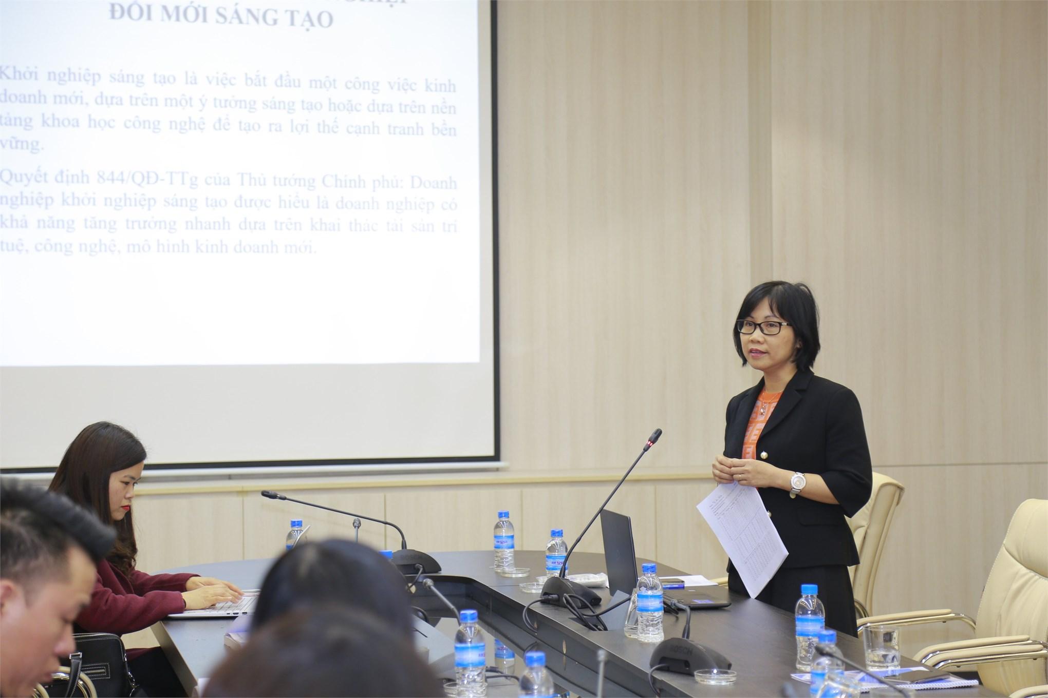 Các nhà khoa học trình bày tham luận tại các phiên làm việc chuyên môn