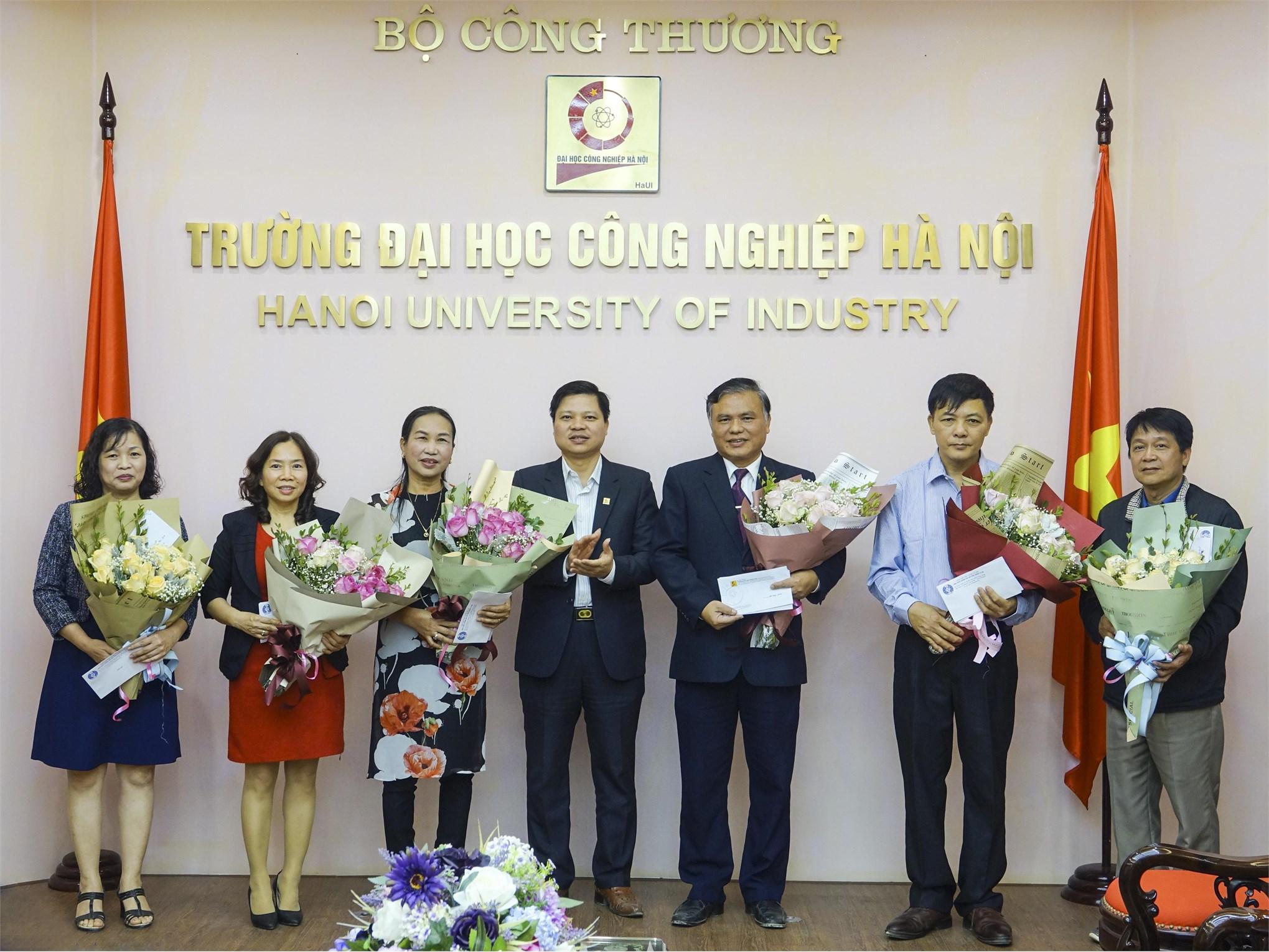 Gặp mặt viên chức nghỉ hưu năm 2019