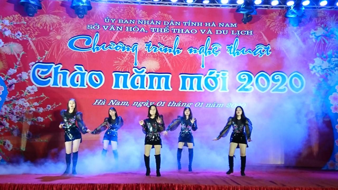 """Đội văn nghệ sinh viên Đại học Công nghiệp Hà Nội tại chương trình """"Chào năm mới 2020"""" tỉnh Hà Nam"""