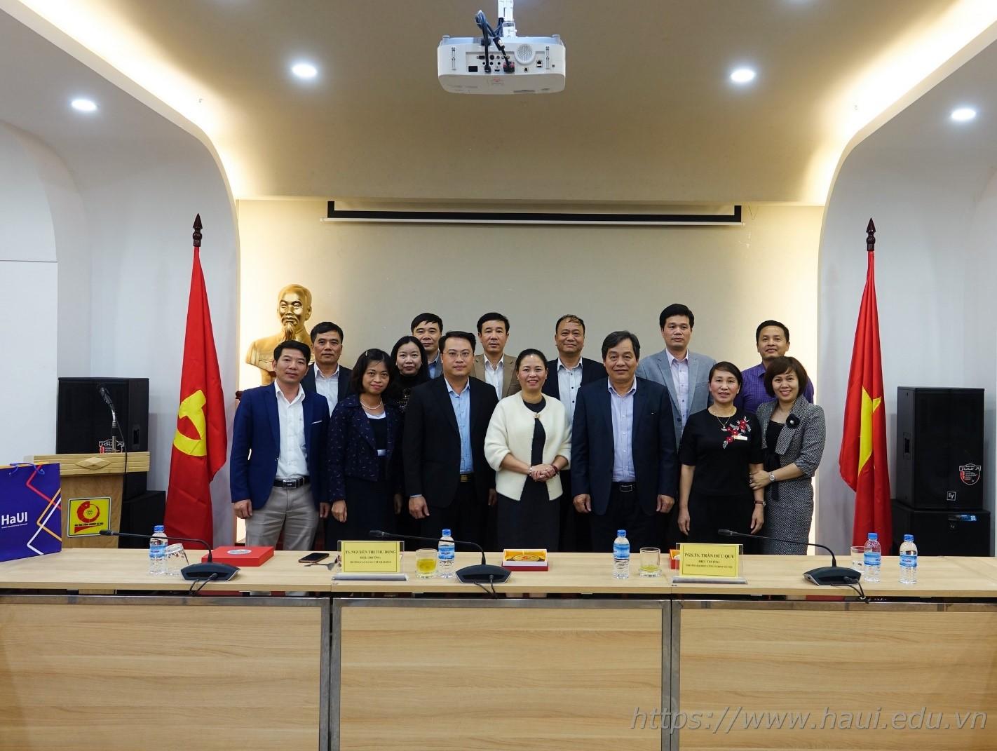 Đoàn Trường Cao đẳng Y tế Thái Bình thăm và làm việc tại Đại học Công nghiệp Hà Nội