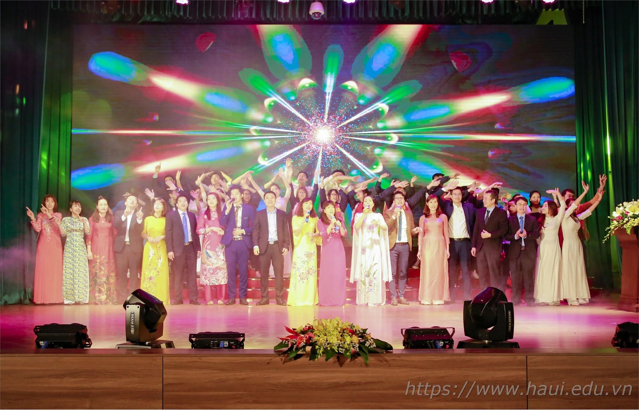 Kỷ niệm 10 năm thành lập khoa Quản lý Kinh doanh và khoa Kế toán - Kiểm toán, trường Đại học Công nghiệp Hà Nội