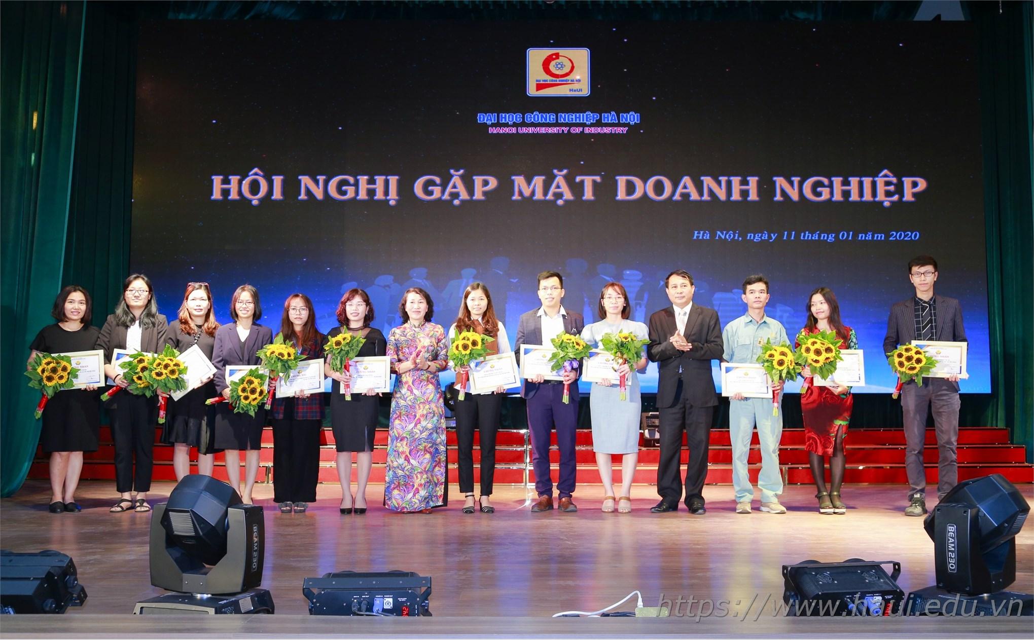 Đại học Công nghiệp Hà Nội tổ chức Hội nghị tổng kết và gặp mặt hơn 100 doanh nghiệp