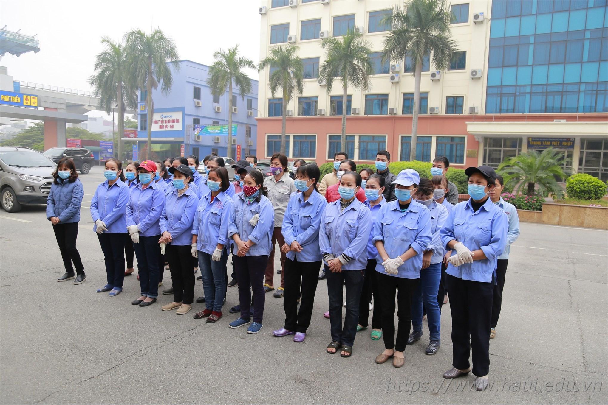 Trường Đại học Công nghiệp Hà Nội vệ sinh khử trùng phòng dịch bệnh