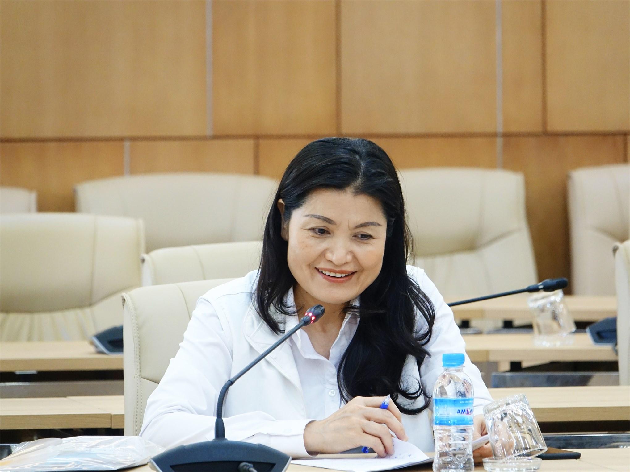 TS. Lã Thị Lan - Phó Giám đốc Trung tâm Trung tâm Kiểm soát bệnh tật Hà Nội tại buổi làm việc