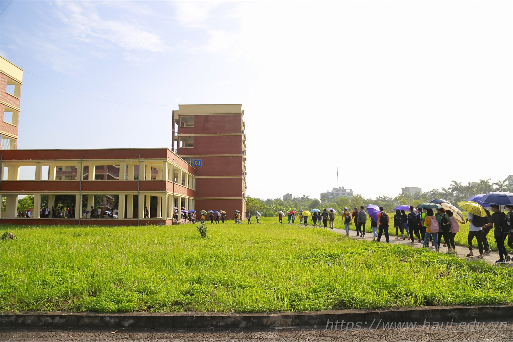HaUI Students back to school after COVID-19 break