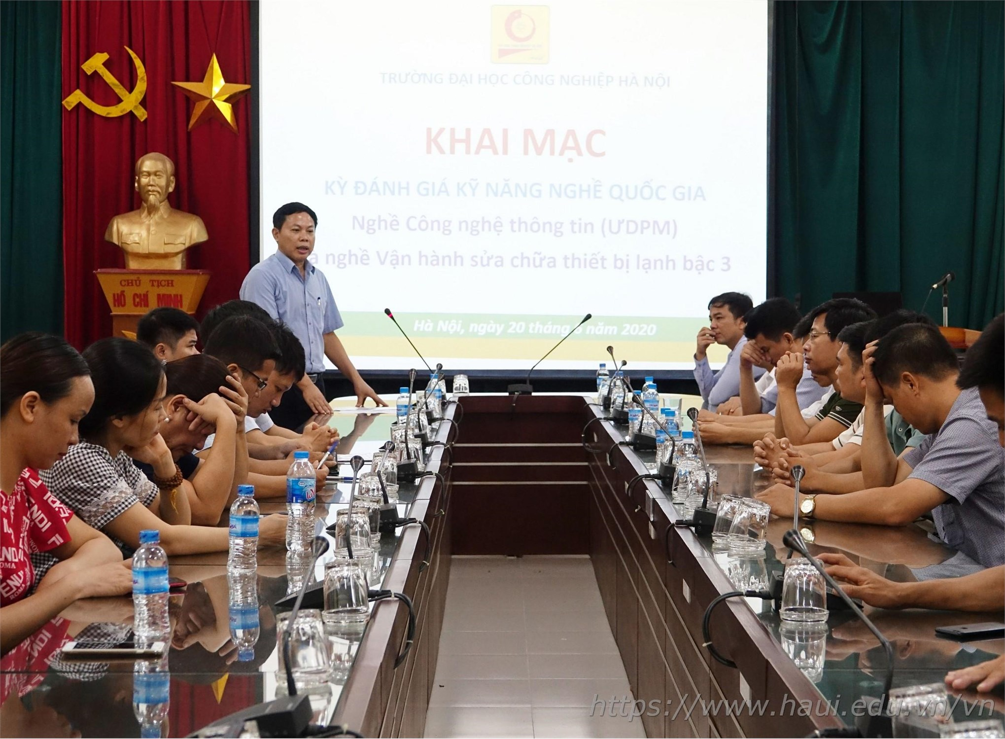 TS. Nguyễn Văn Thành - Giám đốc Trung tâm Hợp tác Doanh nghiệp phát biểu khai mạc Kỳ đánh giá kỹ năng nghề quốc gia năm 2020
