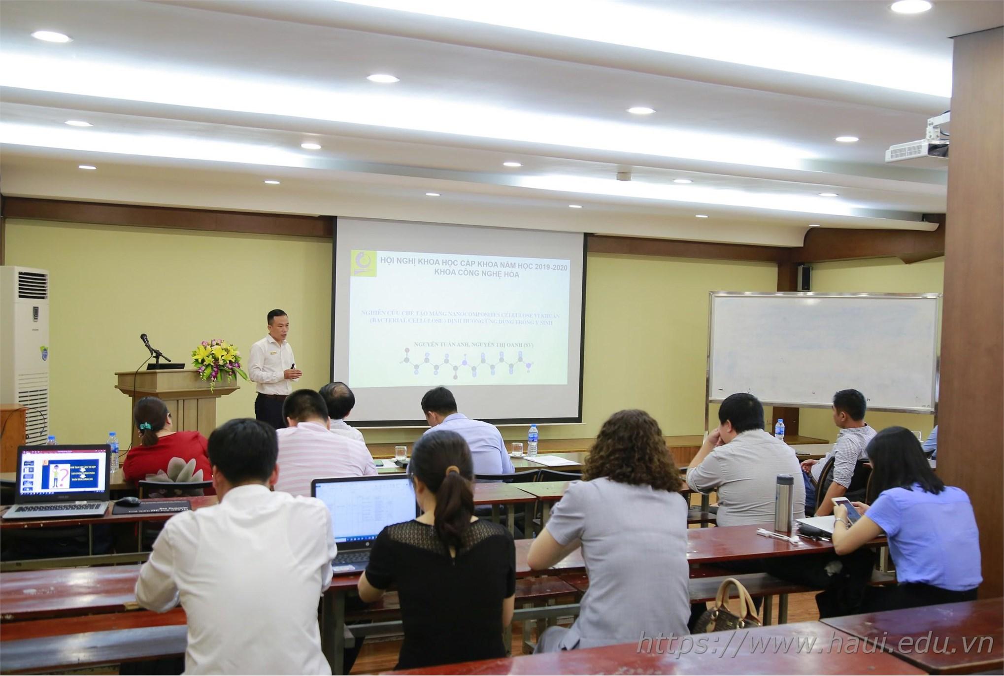 55 báo cáo được trình bày tại Hội nghị khoa học của khoa Điện, khoa Công nghệ Hóa và khoa Ngoại ngữ