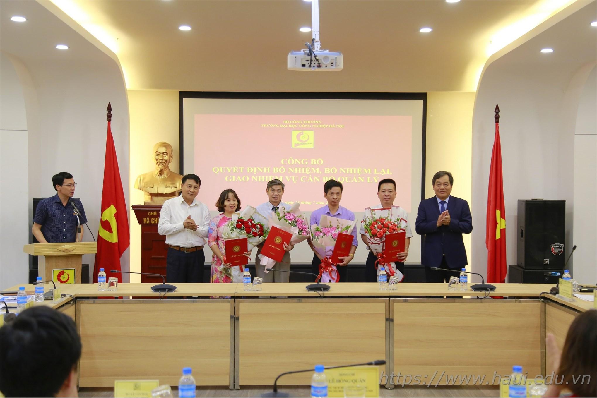 Đại học Công nghiệp Hà Nội trao Quyết định bổ nhiệm, bổ nhiệm lại, giao nhiệm vụ viên chức quản lý và công bố Quyết định bổ nhiệm Phó giáo sư