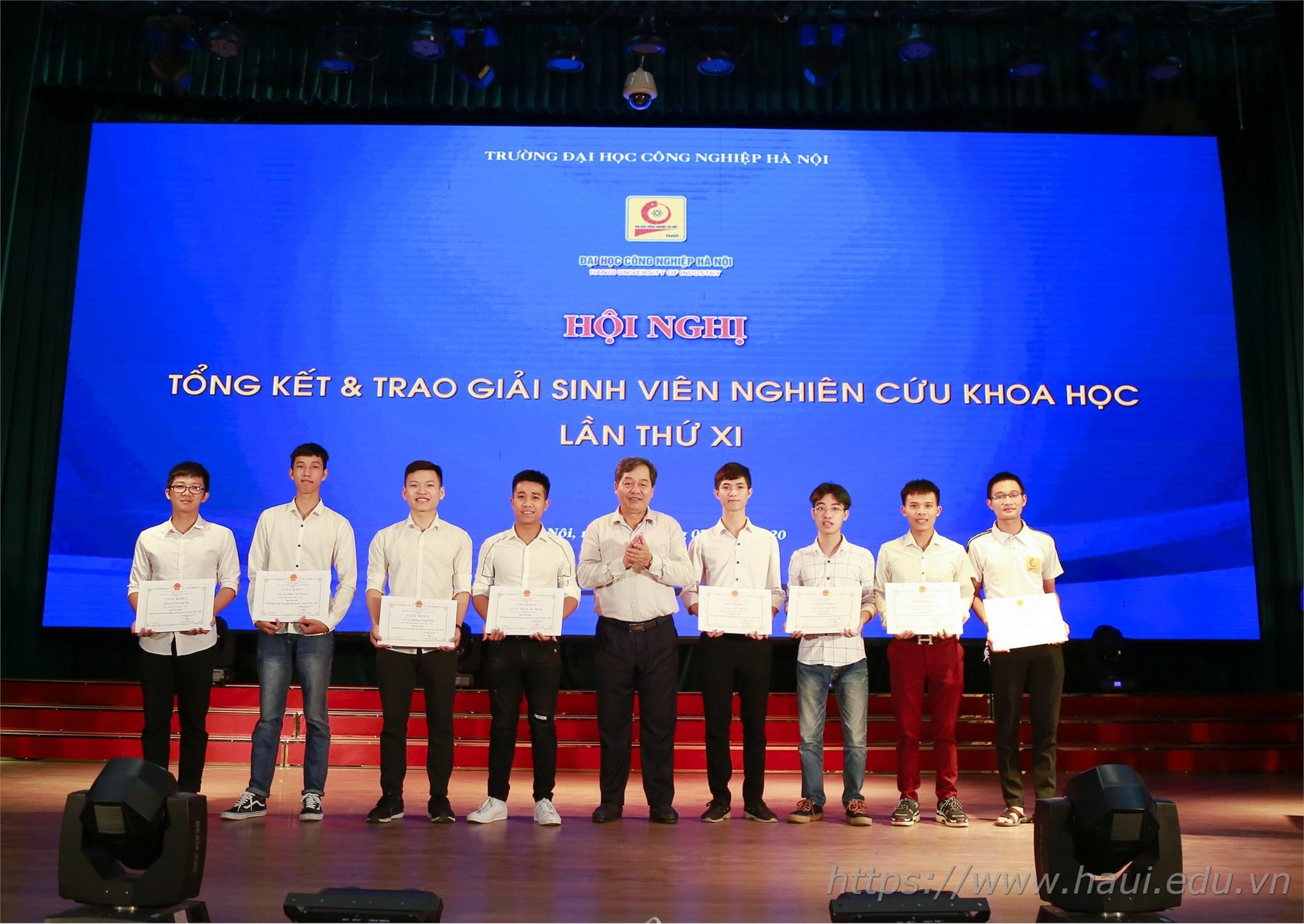 Hội nghị tổng kết và trao giải sinh viên nghiên cứu khoa học lần thứ XI