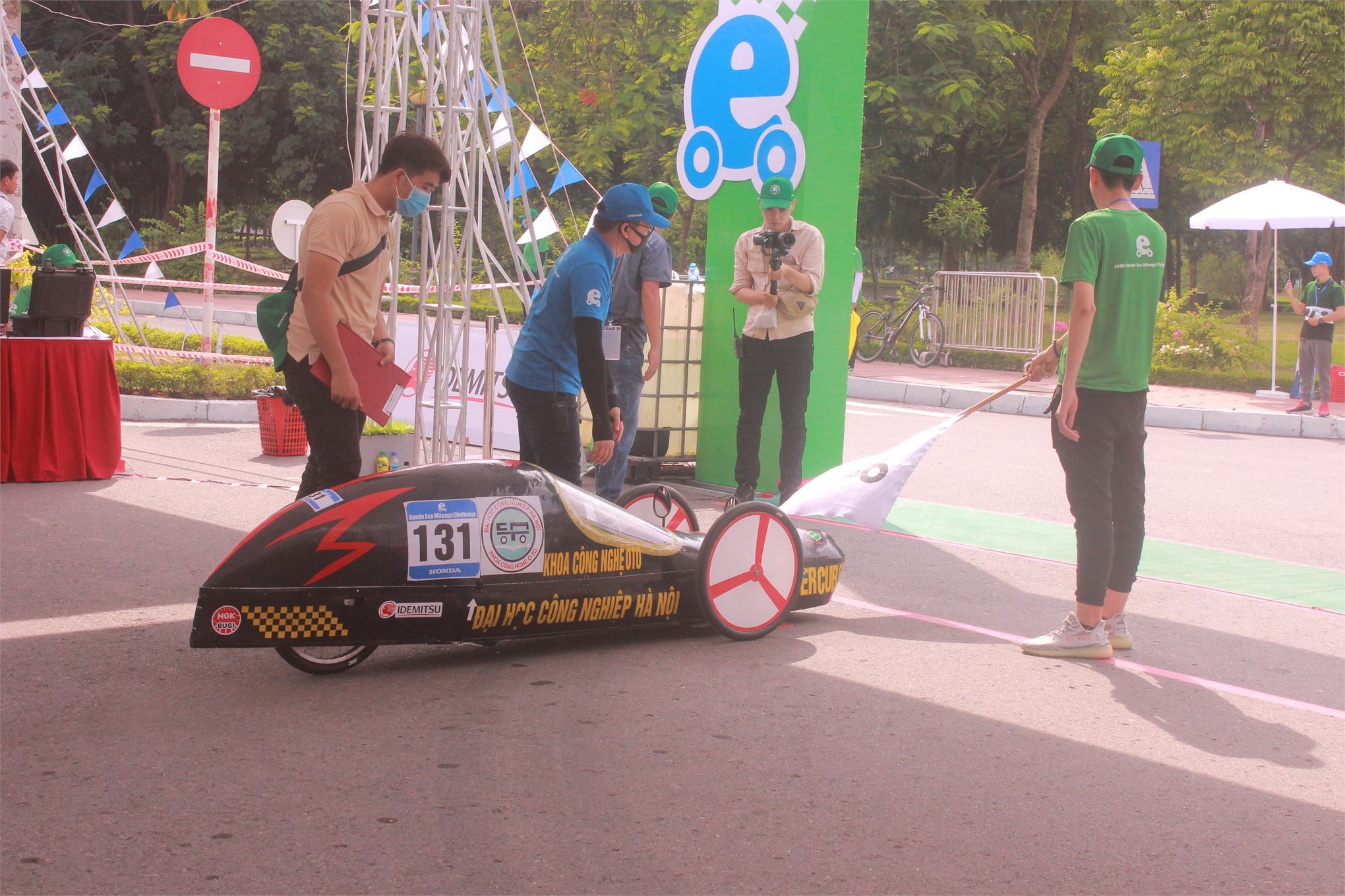 Super Cup 50 - Đại học Công nghiệp Hà Nội đã vào vạch xuất phát